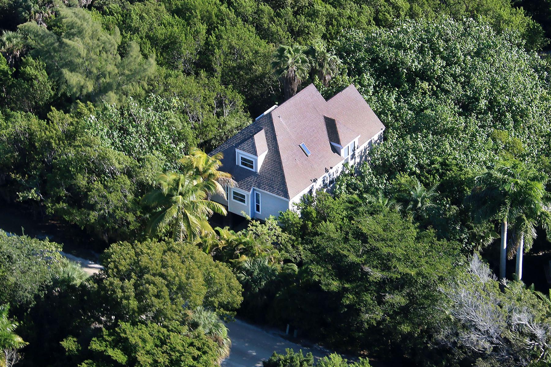 Maison unifamiliale pour l Vente à GULF PINES 4452 Gulf Pines Dr, Sanibel, Florida 33957 États-Unis