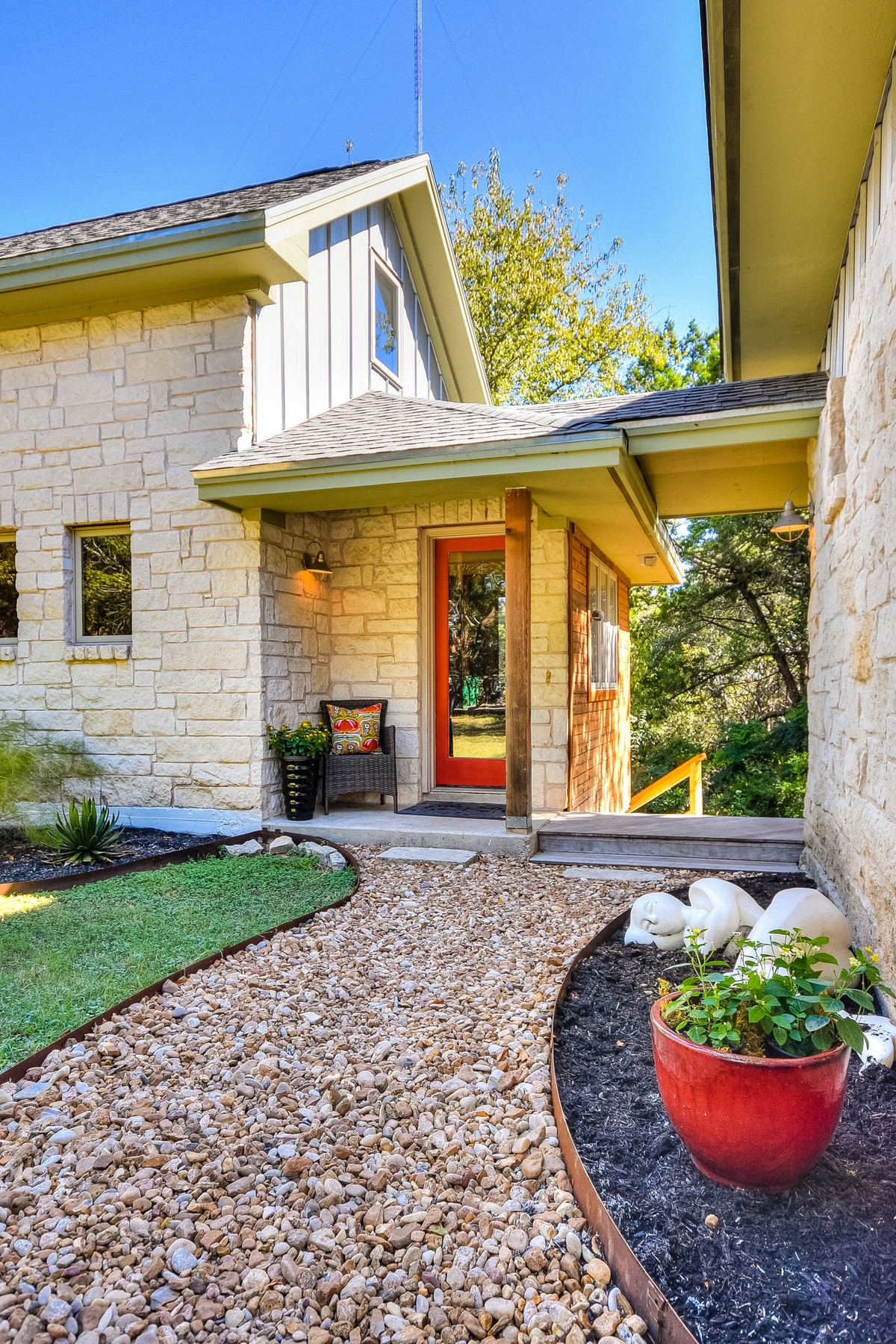 Additional photo for property listing at Austin Musician's Home in Old Westlake 1604 The High Rd Austin, Texas 78746 Estados Unidos