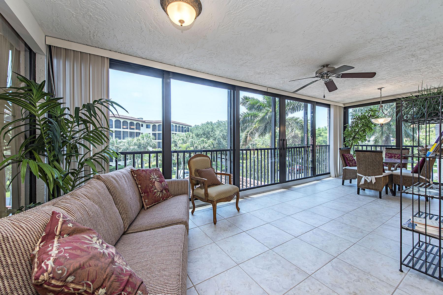 Nhà chung cư vì Bán tại Chateaumere Royale 6000 Pelican Bay Blvd C-102 Pelican Bay, Naples, Florida, 34108 Hoa Kỳ