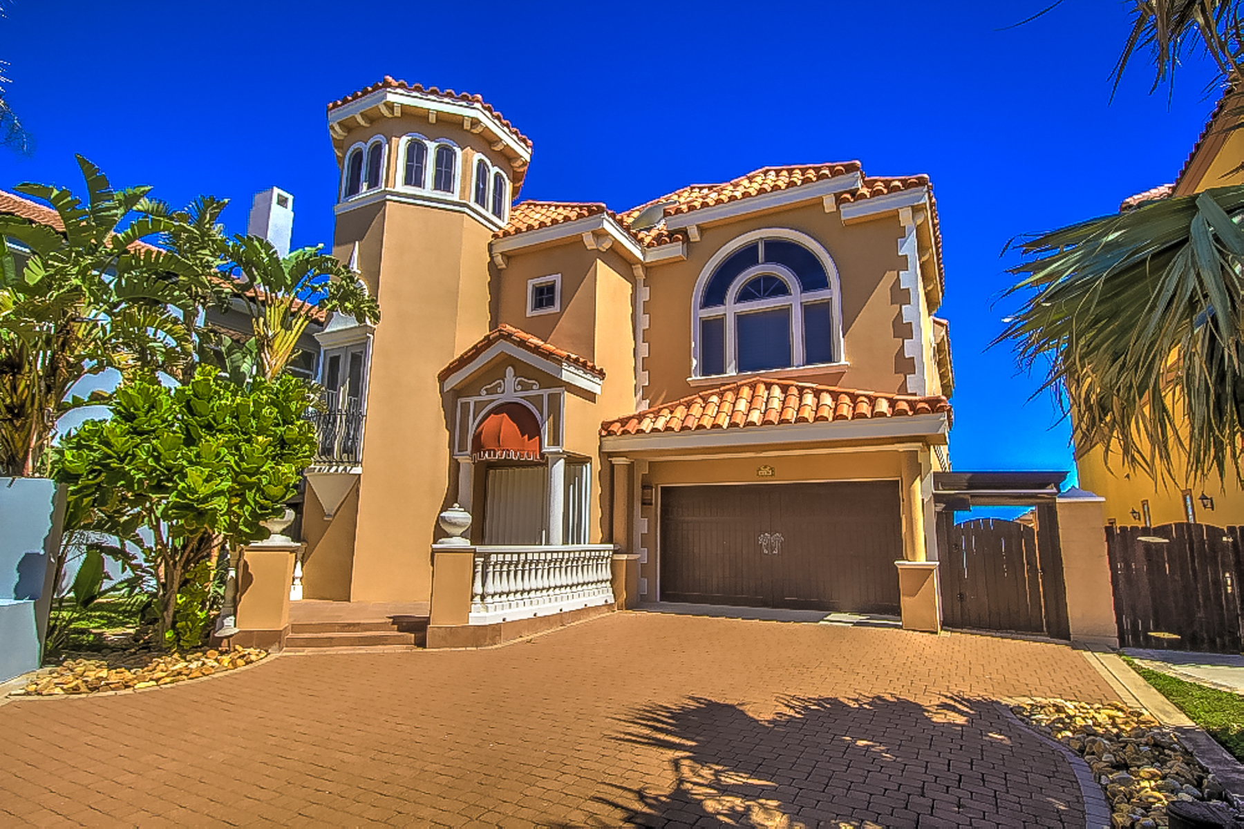 Single Family Home for Sale at Stunning Ocean Front Home 6516 Beach Dr South Padre Island, Texas 78597 United States