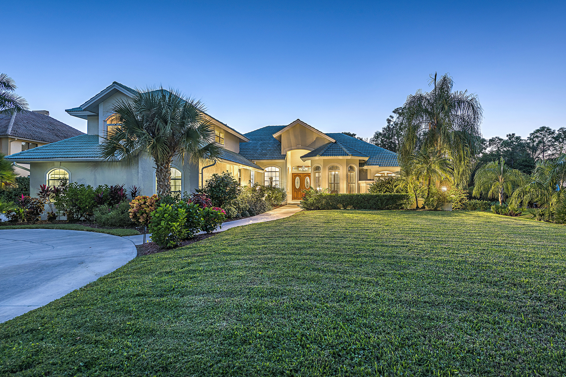 Single Family Home for Sale at Quail Woods 9133 The Ln Naples, Florida, 34109 United States