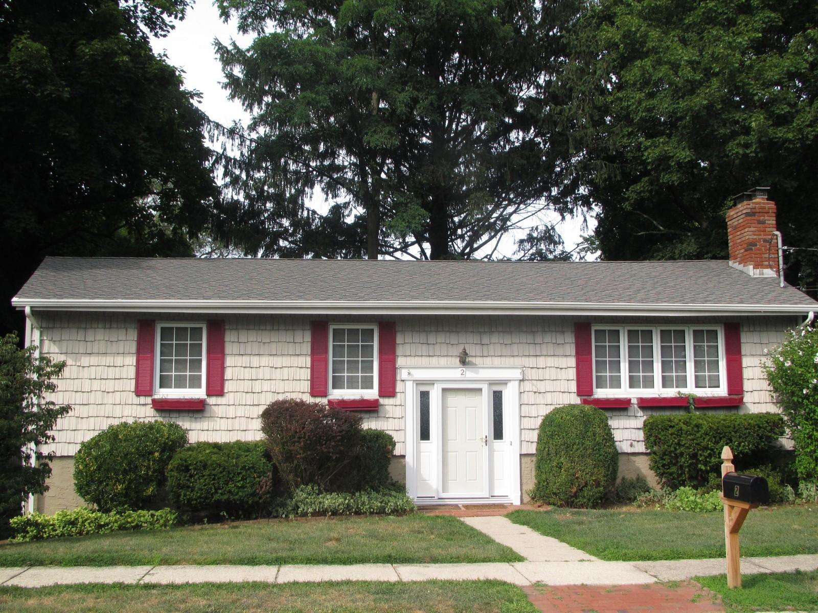 단독 가정 주택 용 매매 에 Hi Ranch 2 Wilafra Pl Northport, 뉴욕, 11768 미국