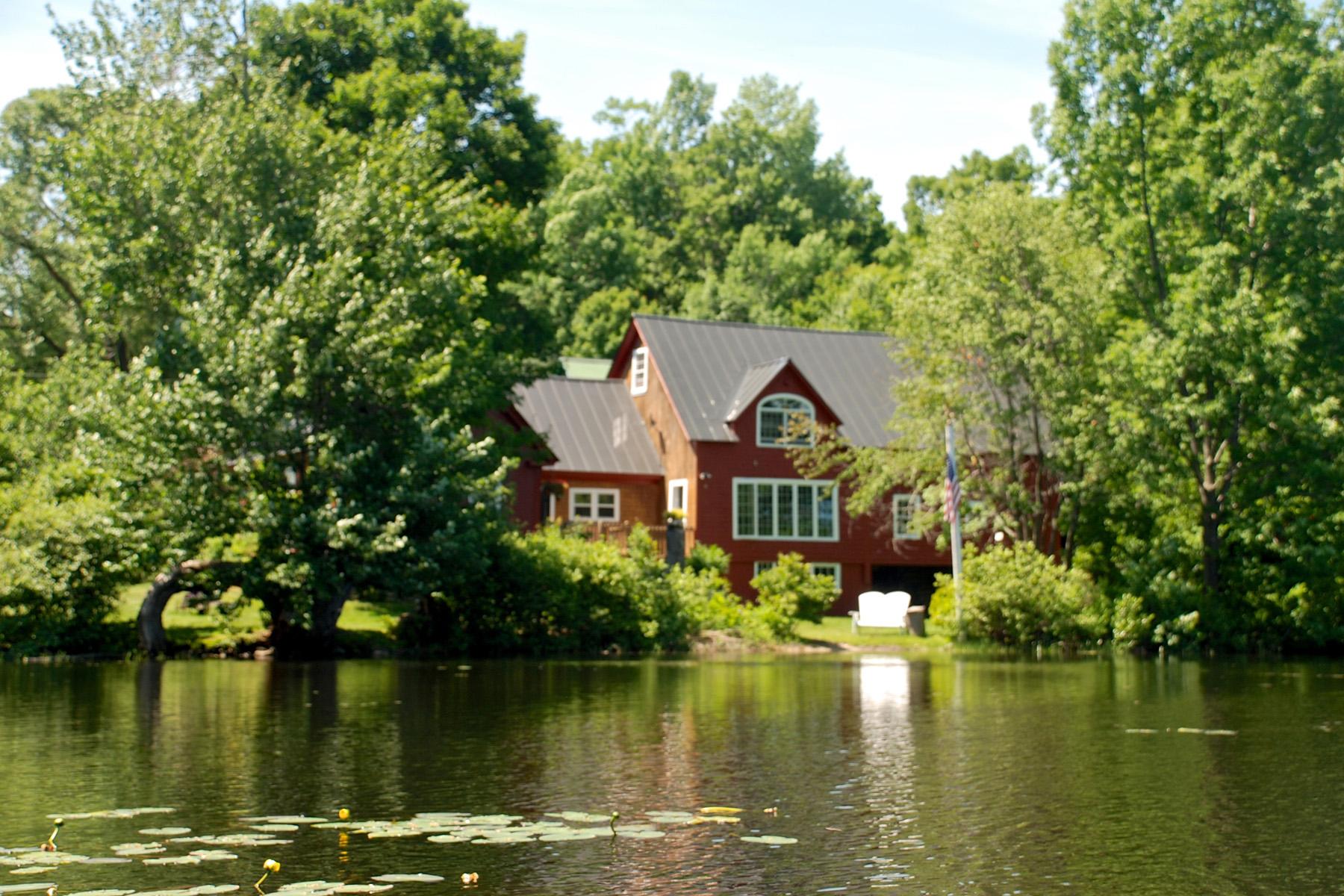 Villa per Vendita alle ore 64 Goose Hole Road, New London 64 Goose Hole Rd New London, New Hampshire 03257 Stati Uniti