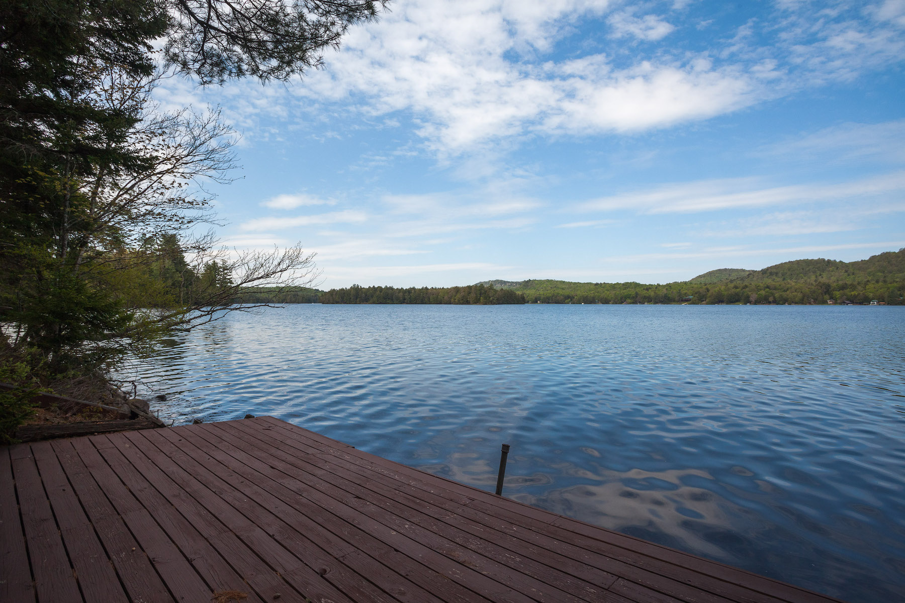 Additional photo for property listing at Custom Lakefront Home in the Adirondacks 236  Cohasset Point Rd Old Forge, Nueva York 13420 Estados Unidos