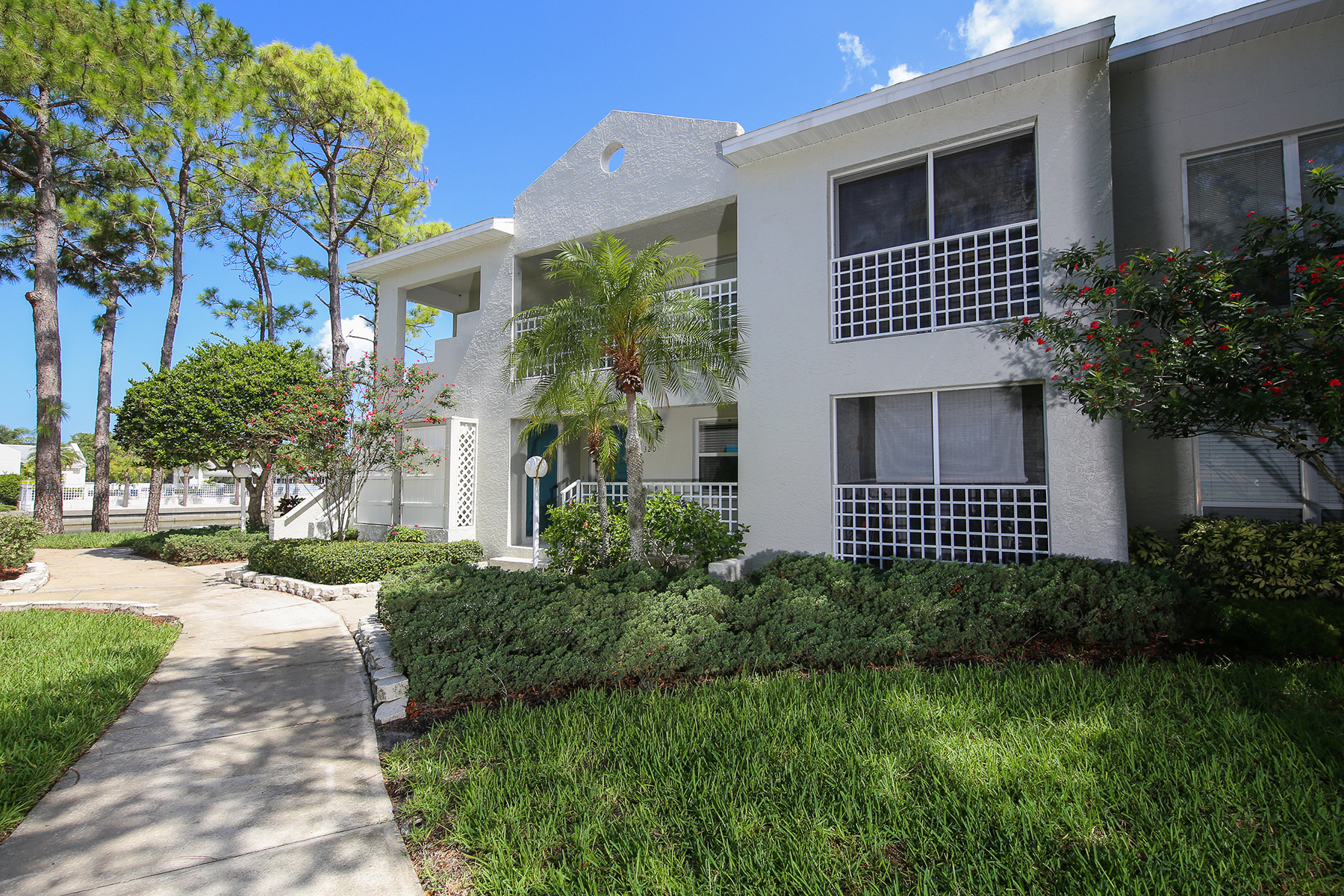 Condominio por un Venta en BRADENTON 320 108th St W 107 Bradenton, Florida, 34209 Estados Unidos
