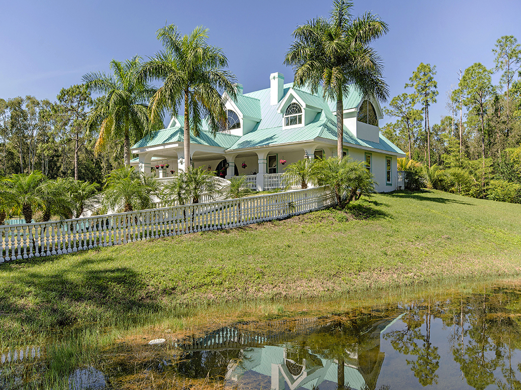 단독 가정 주택 용 매매 에 FT MYERS 13830 Sophomore Ln Fort Myers, 플로리다 33912 미국