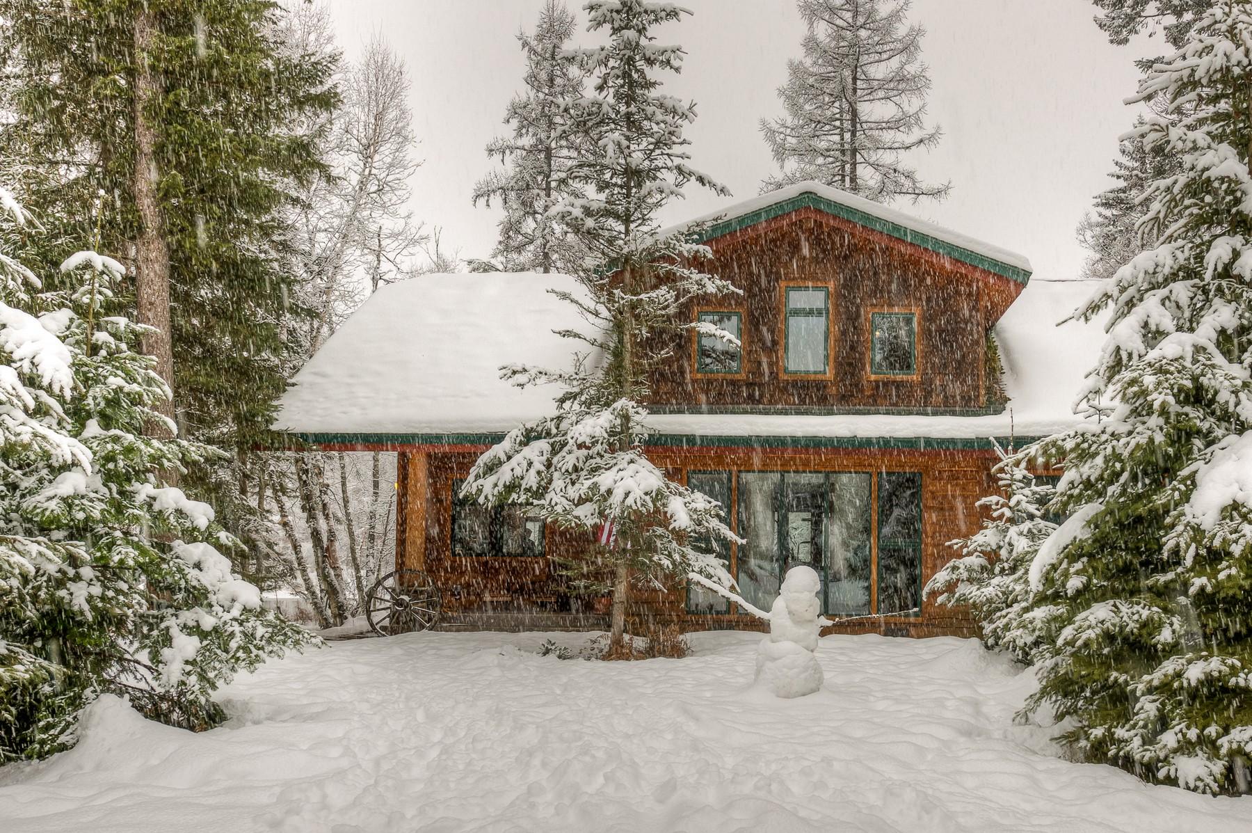 Maison unifamiliale pour l Vente à 400 N Ferndale Dr , Bigfork, MT 59911 400 N Ferndale Dr Bigfork, Montana, 59911 États-Unis