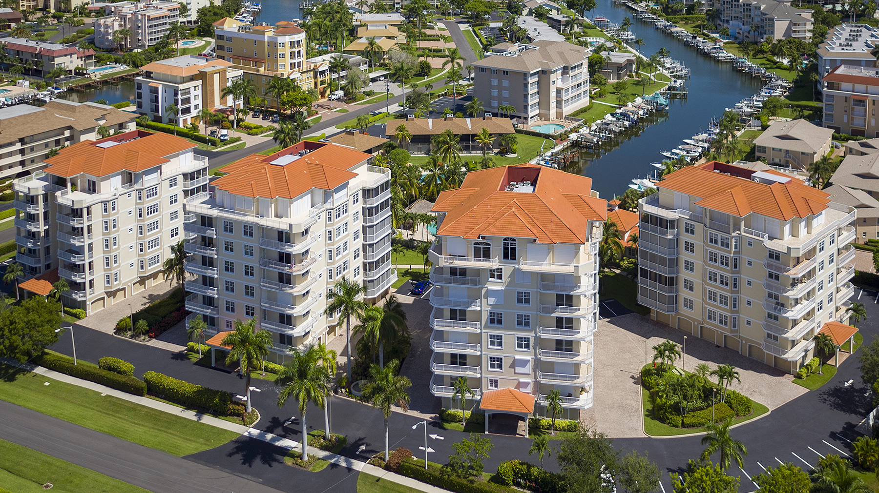 sales property at MARCO ISLAND - COURTYARD TOWERS