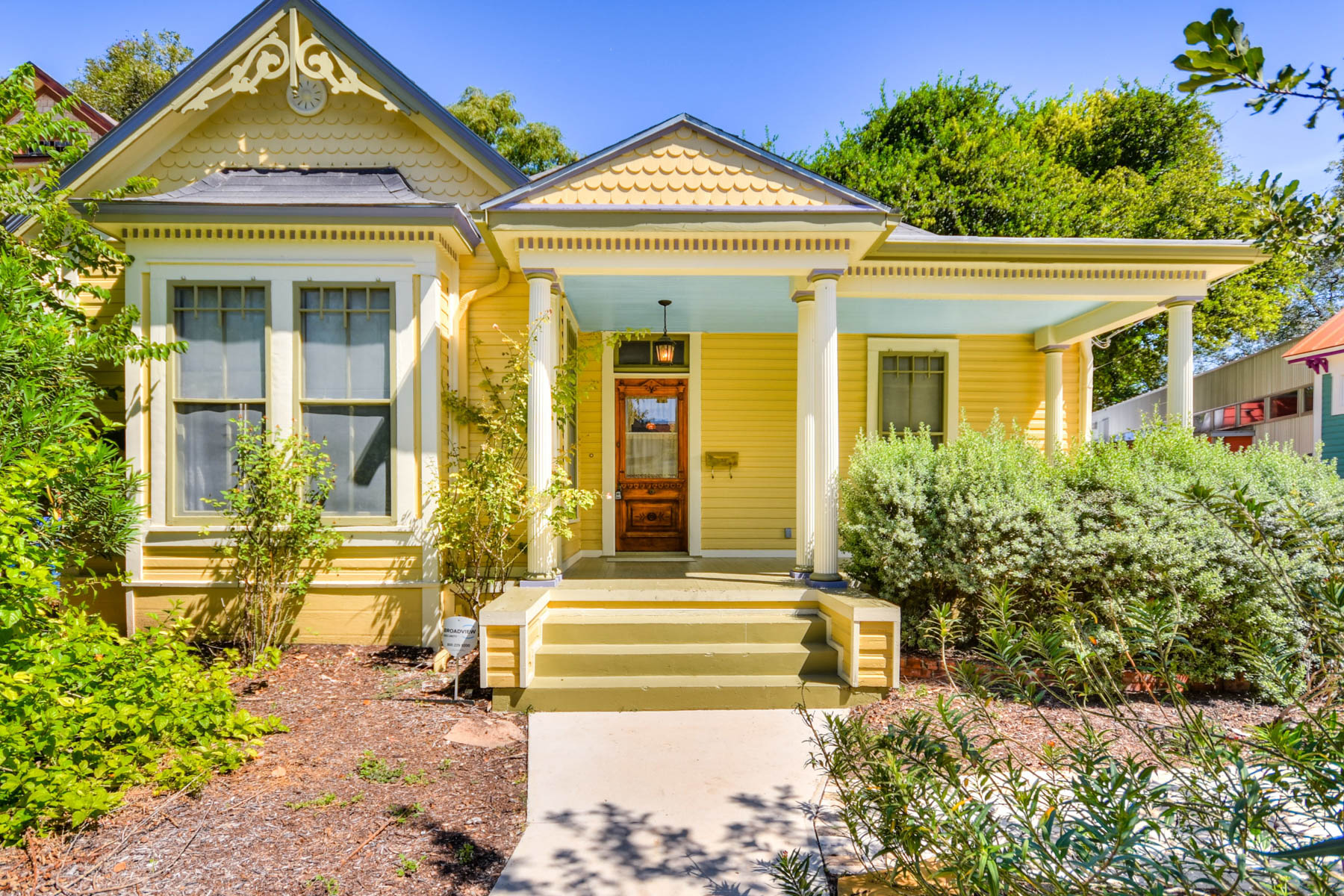 Single Family Home for Sale at Picture Perfect King William Victorian Cottage 422 Mission St San Antonio, Texas 78210 United States