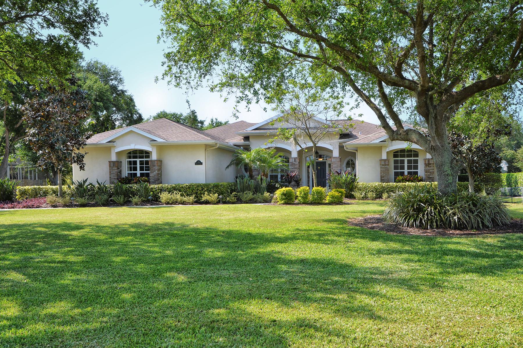 独户住宅 为 销售 在 MISSION VALLEY ESTATES 830 Highland Cir 诺科米斯, 佛罗里达州, 34275 美国