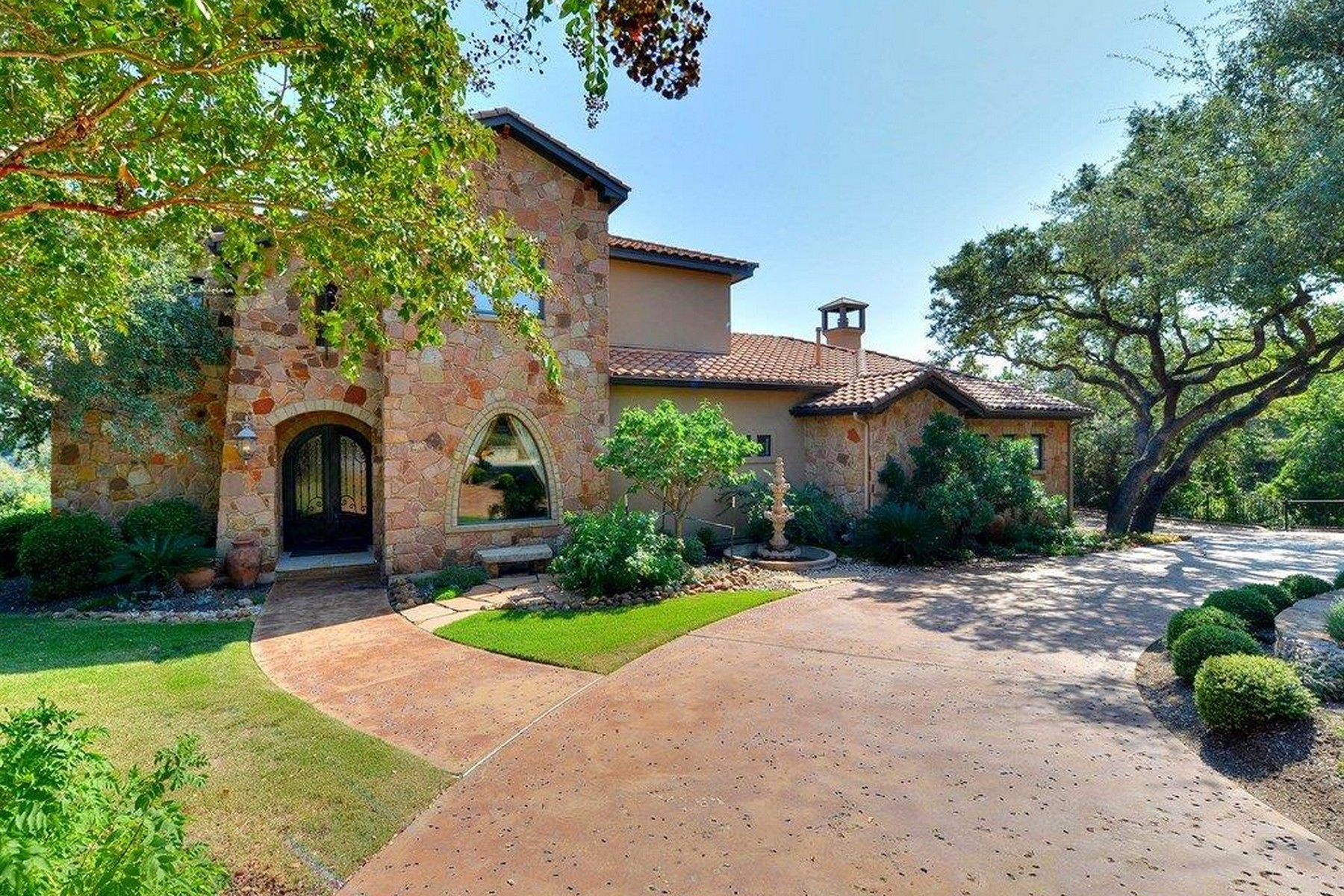 Single Family Home for Sale at Casual Elegance 3909 Pappys Way Austin, Texas 78730 United States
