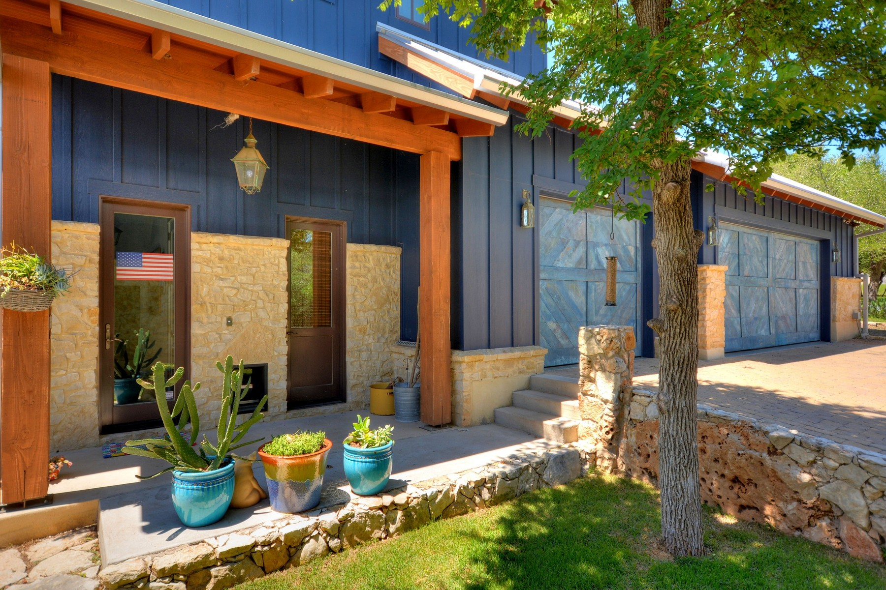 Additional photo for property listing at Country Living in the City 1905 Wood Acre Ln Austin, Texas 78733 Estados Unidos