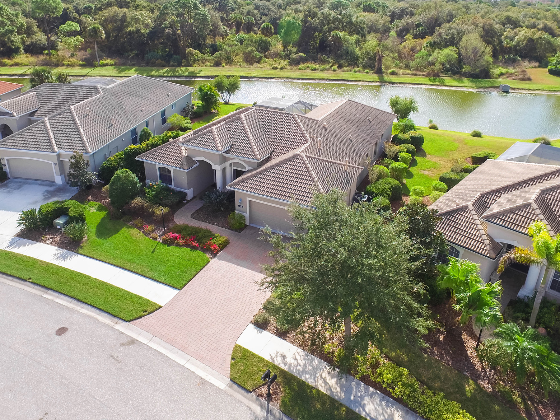 Single Family Home for Sale at WILLOWBEND 588 Crane Prairie Way Osprey, Florida, 34229 United States