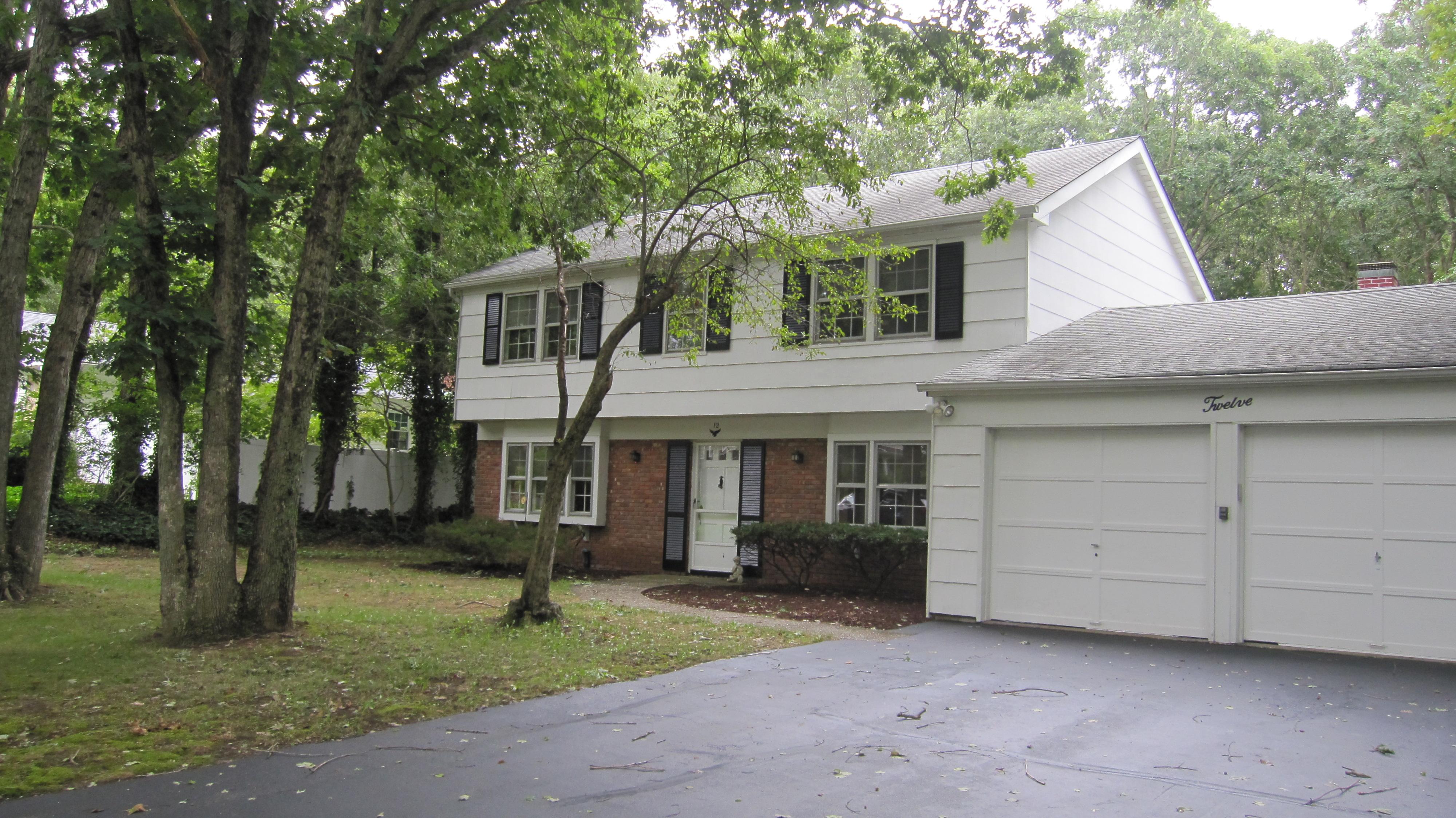 獨棟家庭住宅 為 出售 在 Gladstone Colonial 12 Stockton Ln Stony Brook, 紐約州, 11790 美國