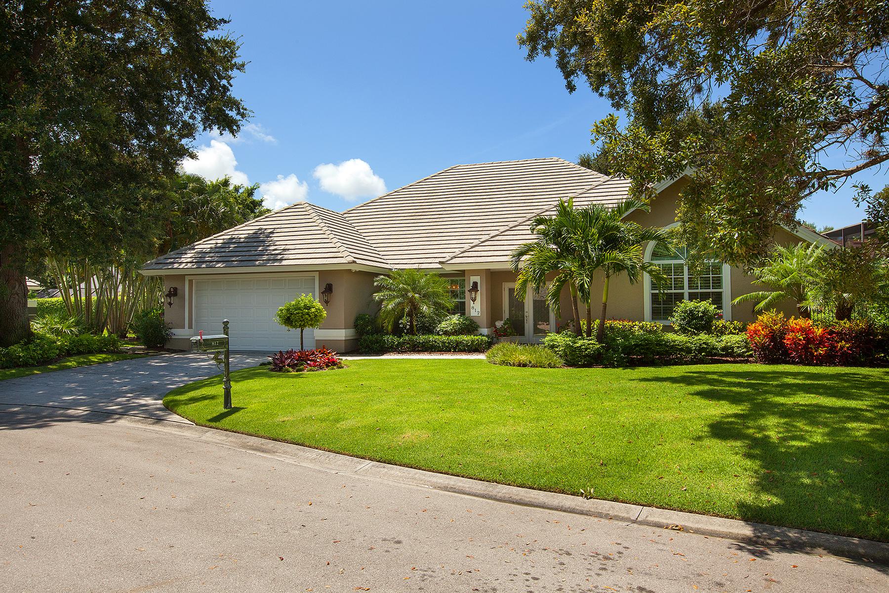 独户住宅 为 销售 在 PELICAN BAY - OAKMONT 812 Pitch Apple Ln Naples, 佛罗里达州 34108 美国