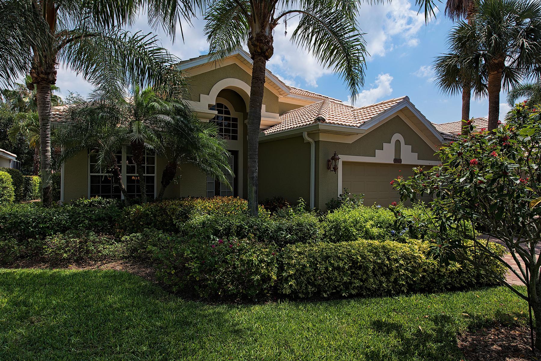 Maison unifamiliale pour l Vente à PELICAN MARSH - TIMARRON 1917 Timarron Way Naples, Florida 34109 États-Unis