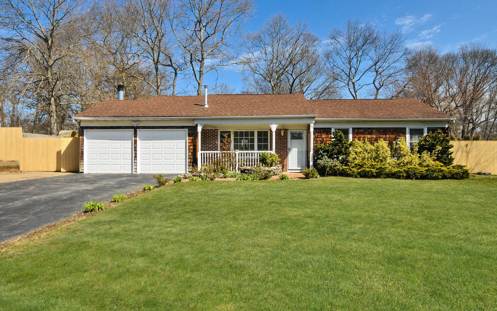 Single Family Home for Sale at Ranch 33 Scenic Hills Dr Ridge, New York, 11961 United States
