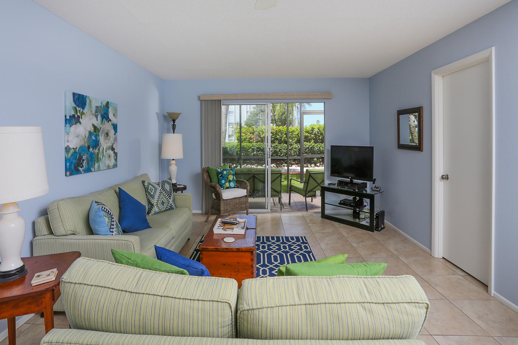 Condominio por un Alquiler en SARATOTA - BEACH WAY 5600 Beach Way Dr J-1 Sarasota, Florida 34242 Estados Unidos