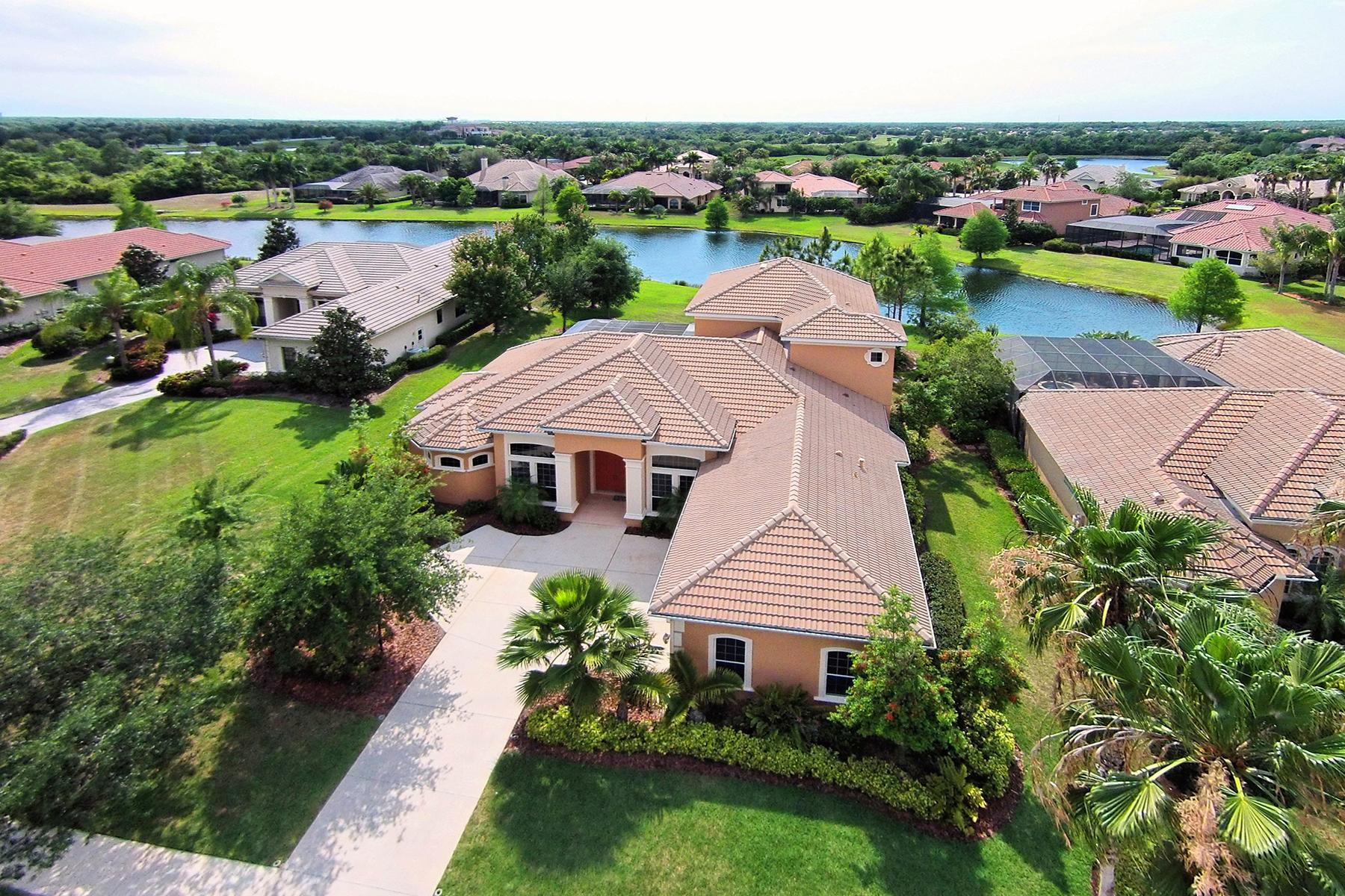 Casa para uma família para Venda às LAKEWOOD RANCH COUNTRY CLUB 7524 Rigby Ct Lakewood Ranch, Florida 34202 Estados Unidos