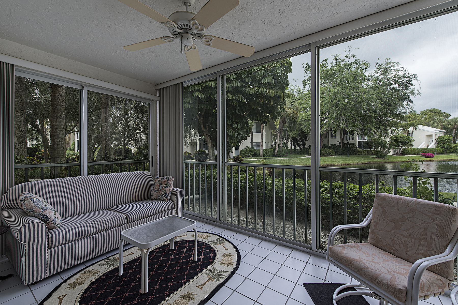 Eigentumswohnung für Verkauf beim PELICAN BAY - WILLOW BROOK 790 Willowbrook Dr 304 Naples, Florida, 34108 Vereinigte Staaten