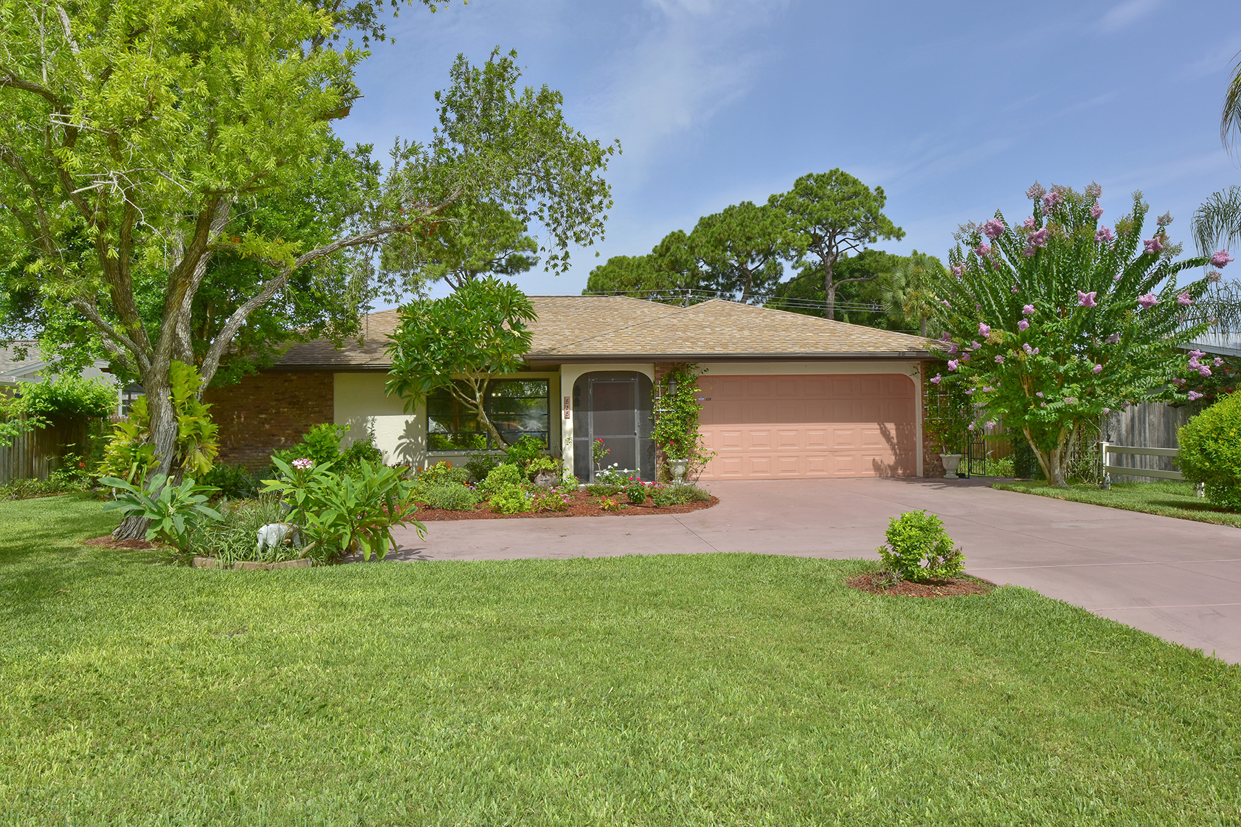 Single Family Home for Sale at VENICE SOUTH 828 The Rialto Venice, Florida 34285 United States