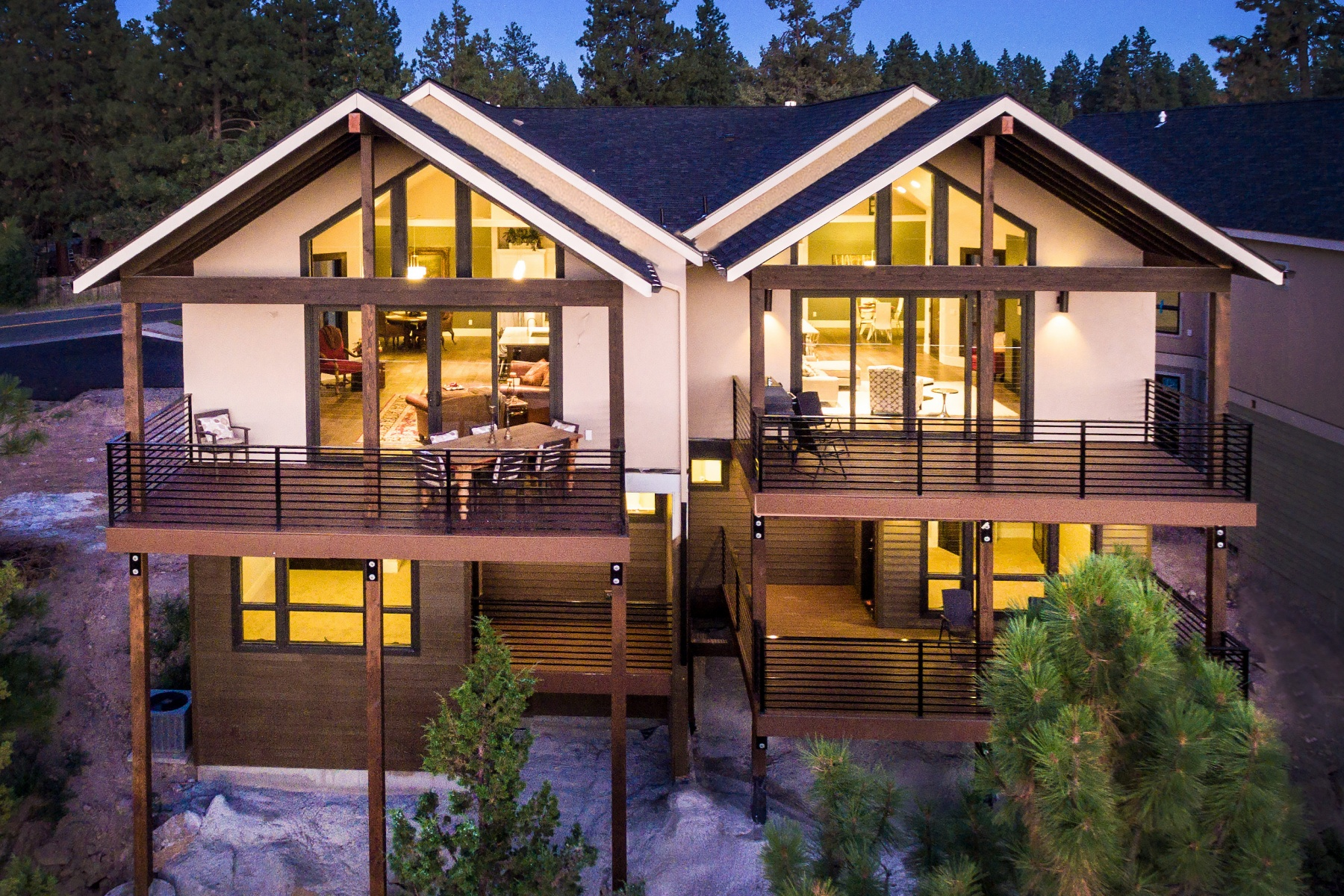 联栋屋 为 销售 在 61605 Woodriver Drive, BEND 本德, 俄勒冈州, 97702 美国