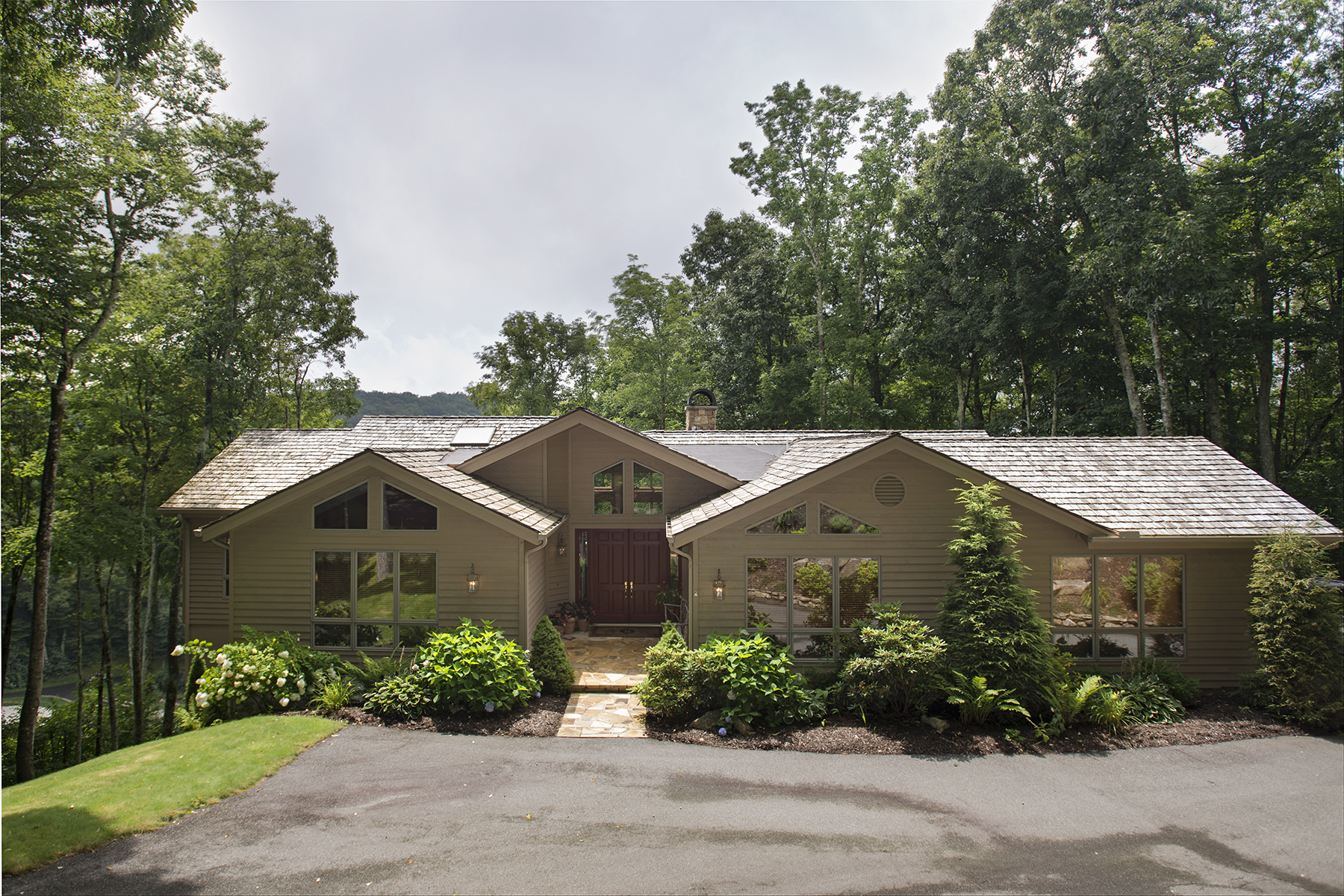 Single Family Home for Sale at LINVILLE - LINVILLE RIDGE 321 Branch Water Run 3 Linville, North Carolina, 28646 United States