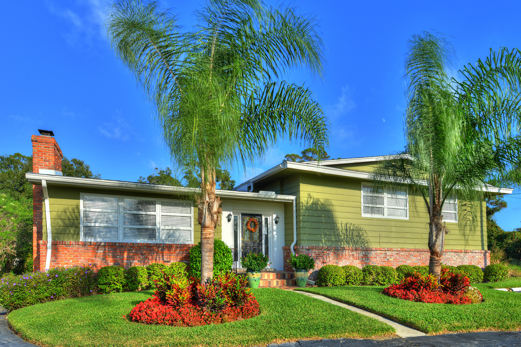 Vivienda unifamiliar por un Venta en DAYTONA BEACH 1450 N Halifax Ave Daytona Beach, Florida, 32118 Estados Unidos