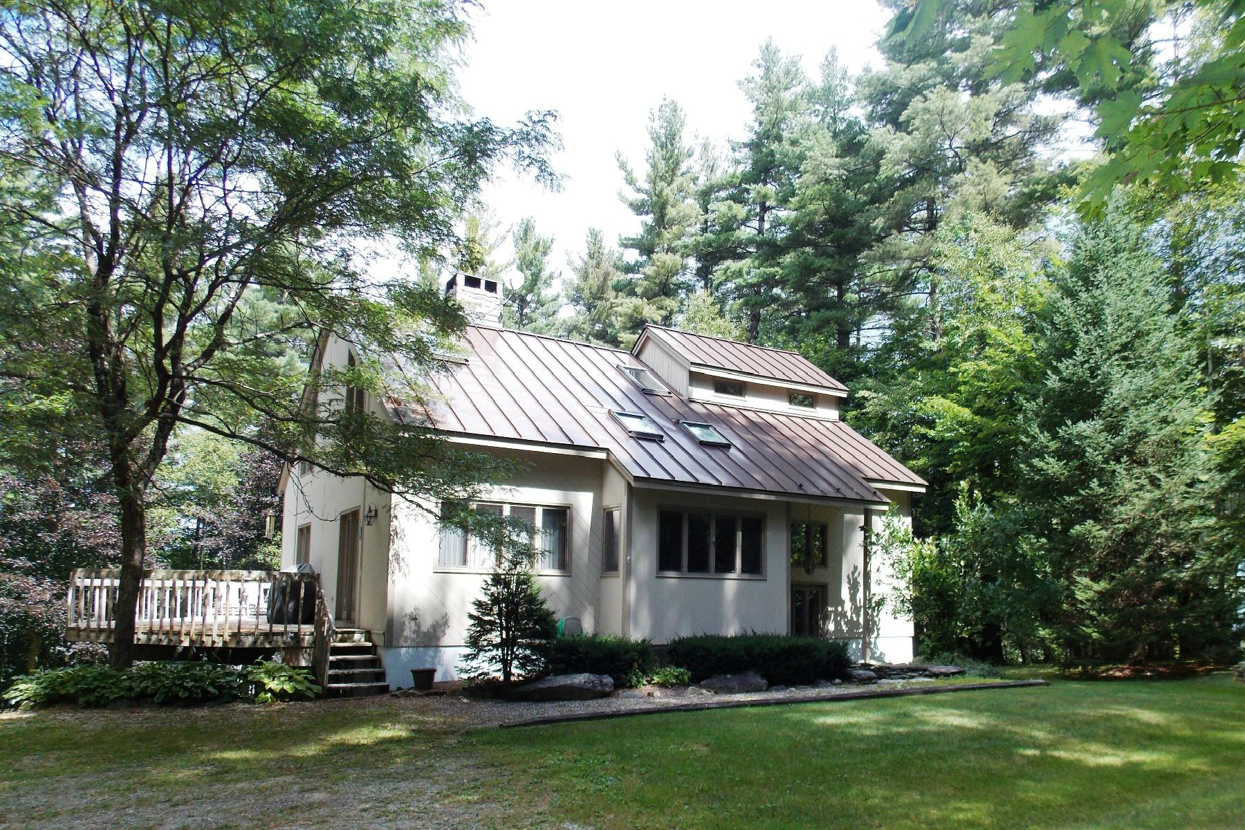 Single Family Home for Sale at Ski Country Contemporary 6 Green Tree Rd Winhall, Vermont, 05340 United States