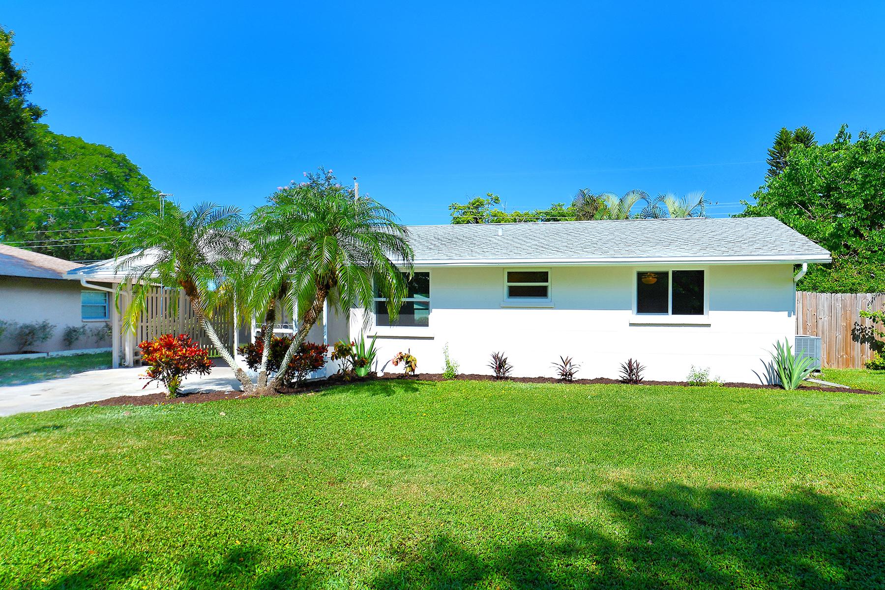 Casa Unifamiliar por un Venta en SUN HAVEN - SARASOTA 5708 Murdock Ave Sarasota, Florida, 34231 Estados Unidos