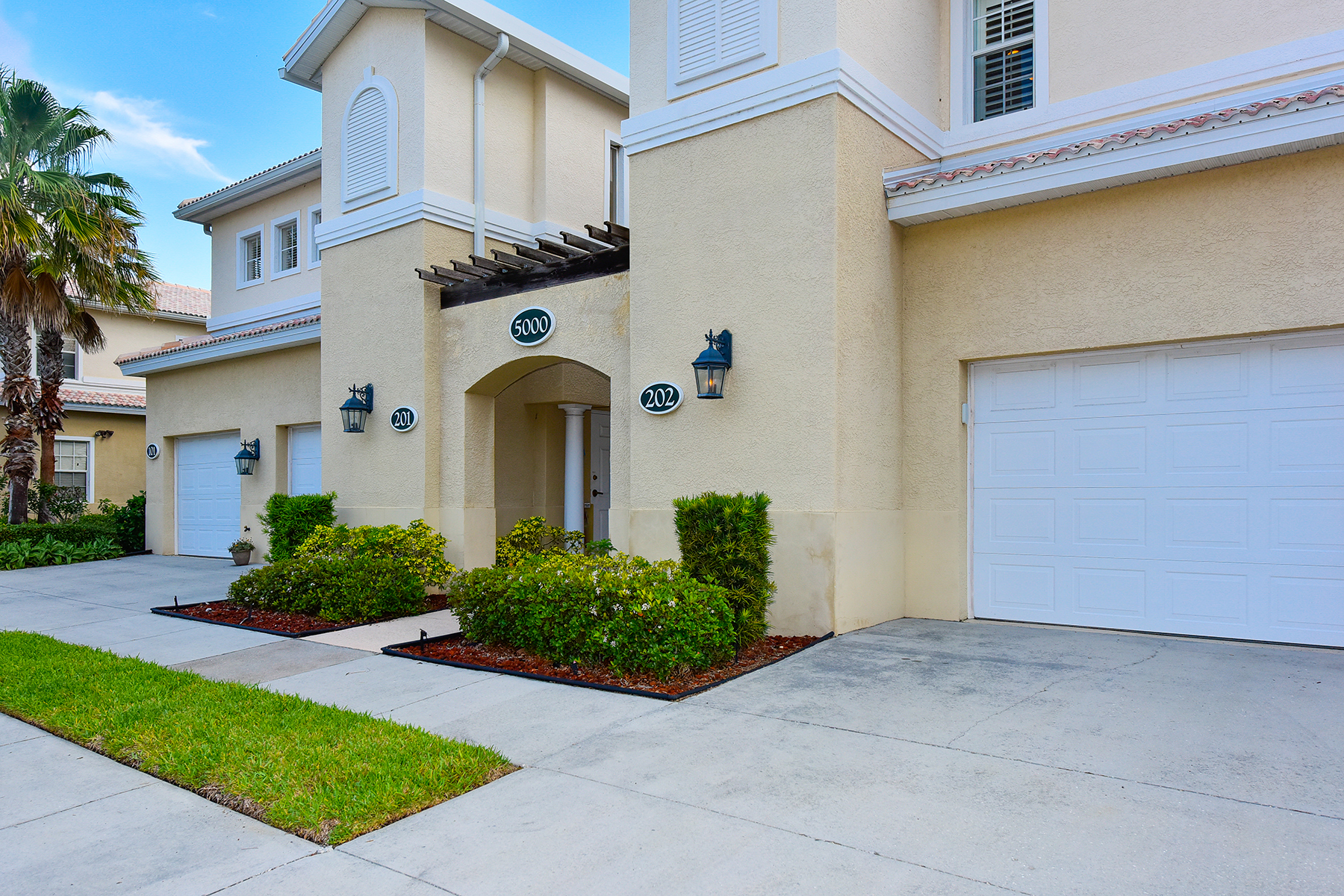 Townhouse for Sale at VILLAS OF VENICE 5000 Ibis Way 202 Venice, Florida, 34292 United States