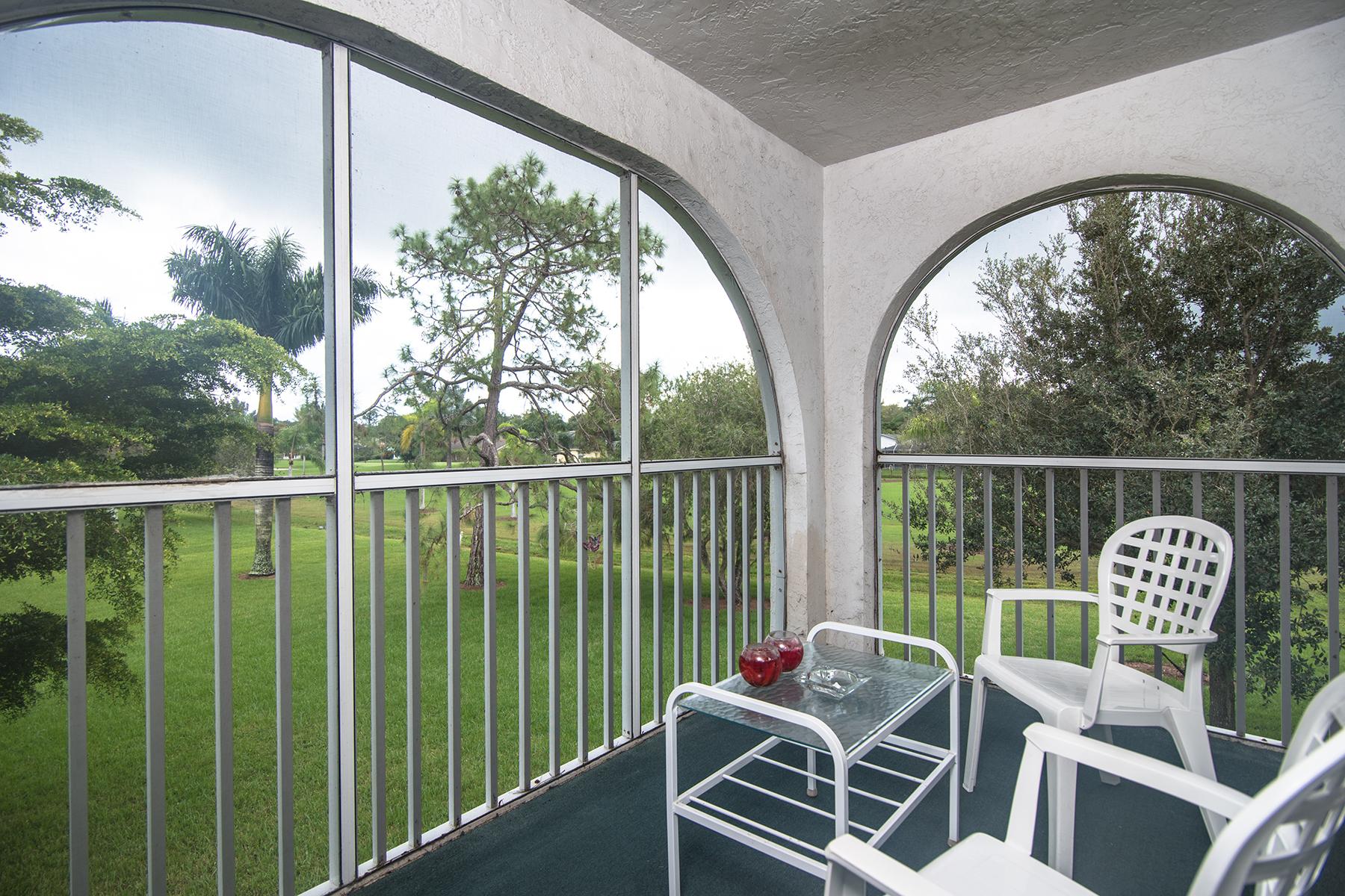Appartement en copropriété pour l Vente à FOREST LAKES 1045 Forest Lakes Dr G-212 Naples, Florida 34105 États-Unis