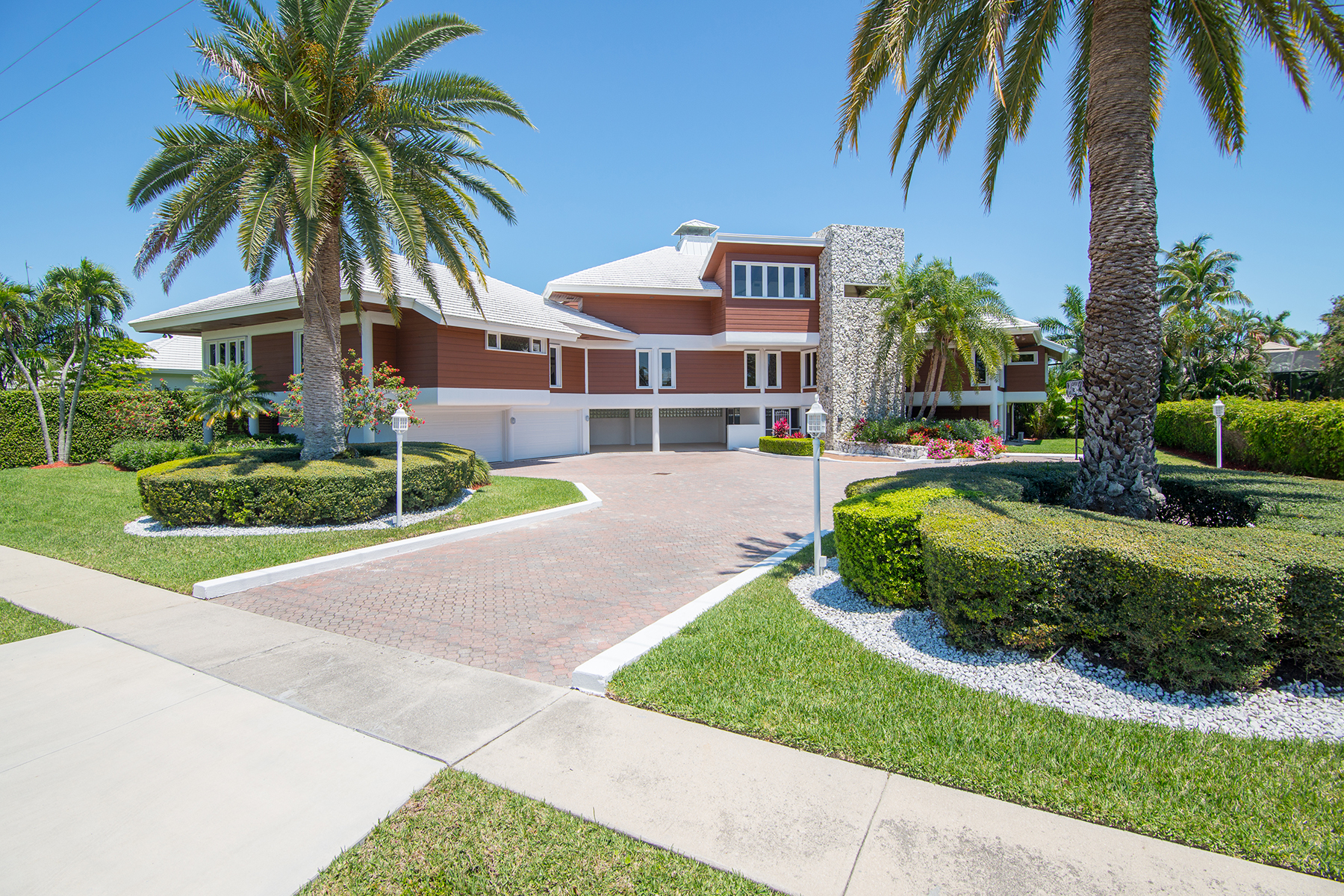 Single Family Home for Sale at MARCO ISLAND - S BARFIELD DRIVE 919 S Barfield Dr Marco Island, Florida 34145 United States
