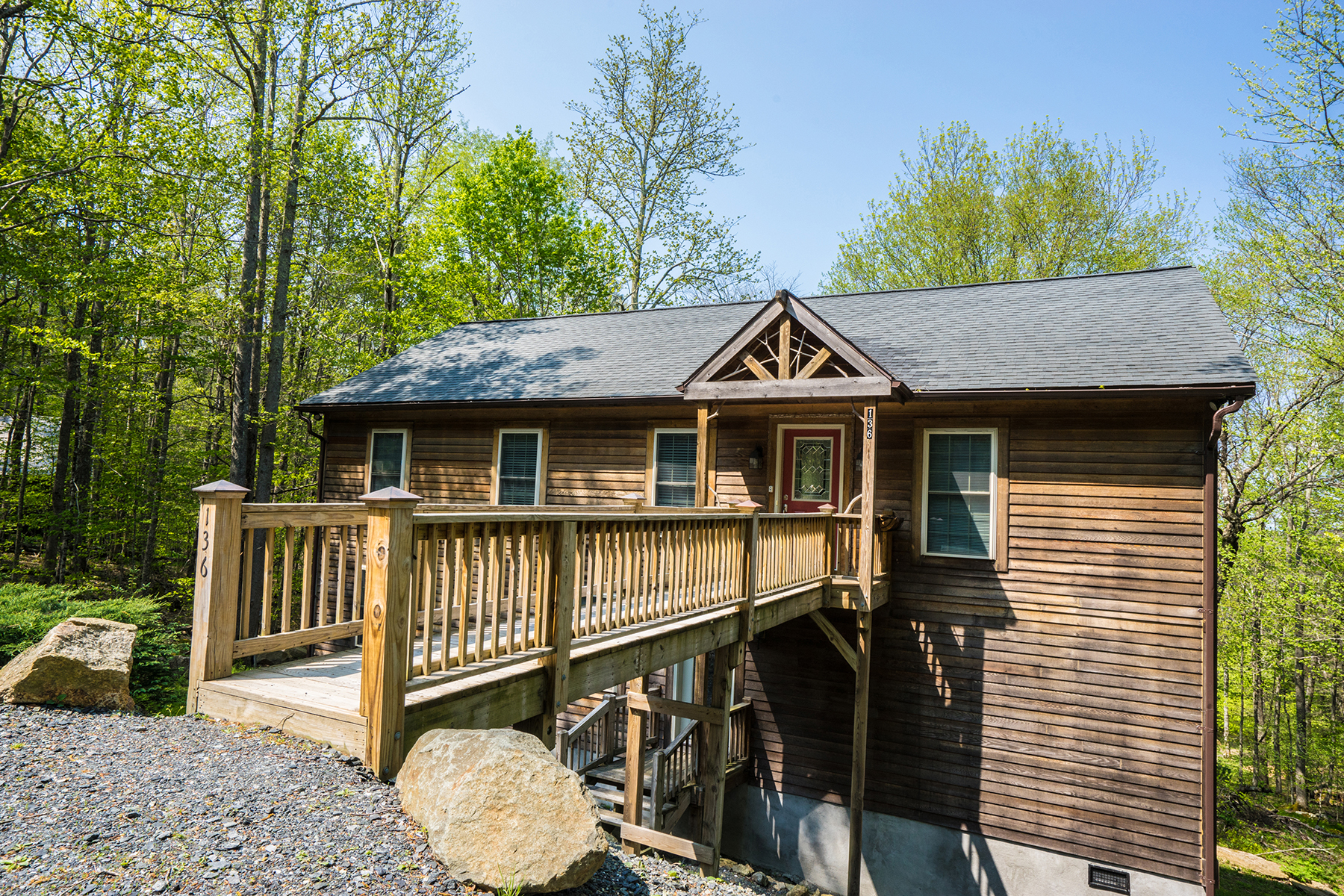 Single Family Home for Sale at Beech Mountain - Creek Ridge 136 W West Pond Creek Rd Rd Beech Mountain, North Carolina, 28604 United States