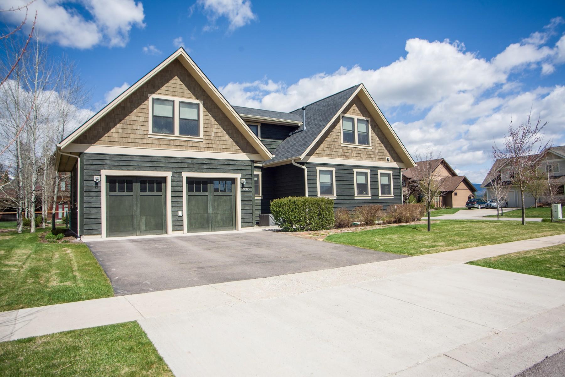 独户住宅 为 销售 在 1060 Creekwood Drive 1060 Creekwood Dr 怀特菲什, 蒙大拿州, 59937 美国
