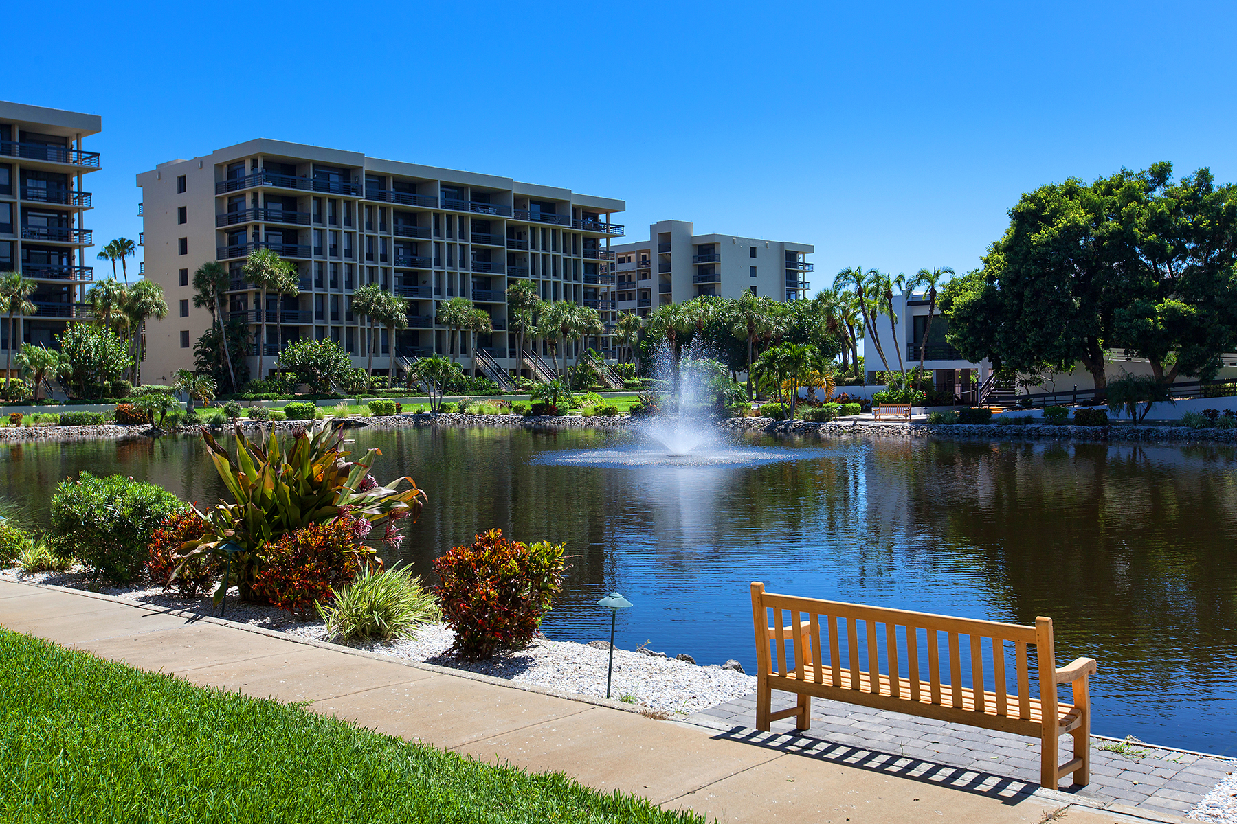 Condominium for Sale at BEACHPLACE 1075 Gulf Of Mexico Dr 103 Longboat Key, Florida, 34228 United States