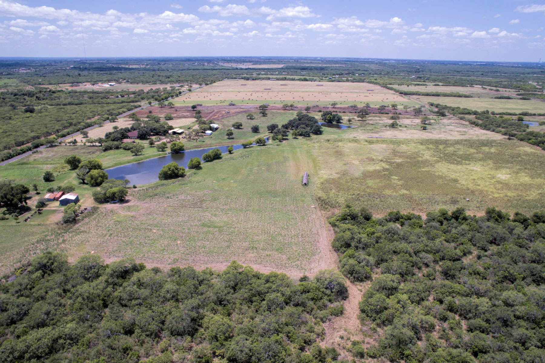 Additional photo for property listing at Spread Out on This 17.57+- Acre Lot 8259 Gardner Rd San Antonio, Texas 78263 Estados Unidos