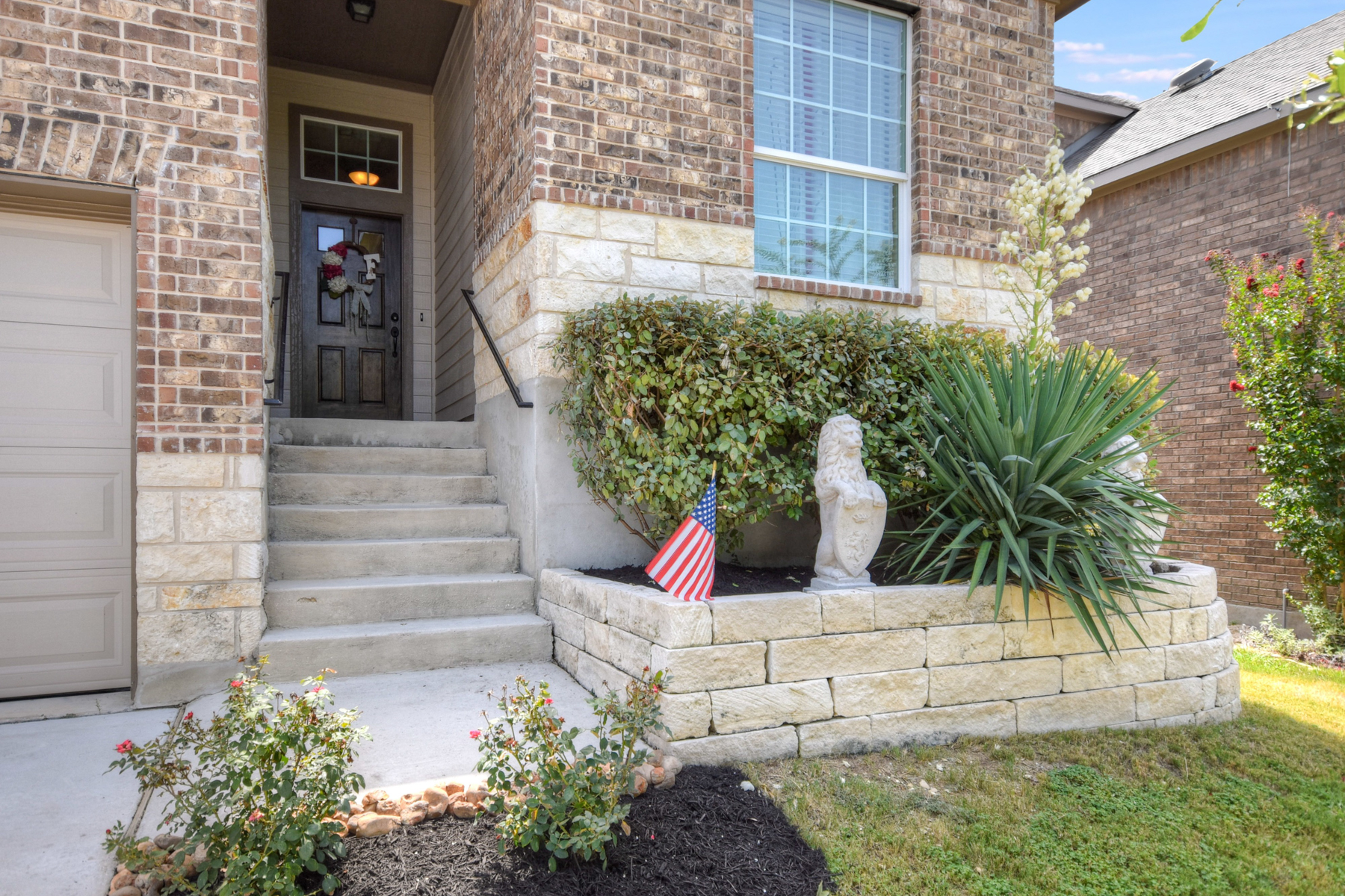 Additional photo for property listing at Beautiful Home in The Preserve at Alamo Ranch 3022 Colorado Cv San Antonio, Texas 78253 Estados Unidos