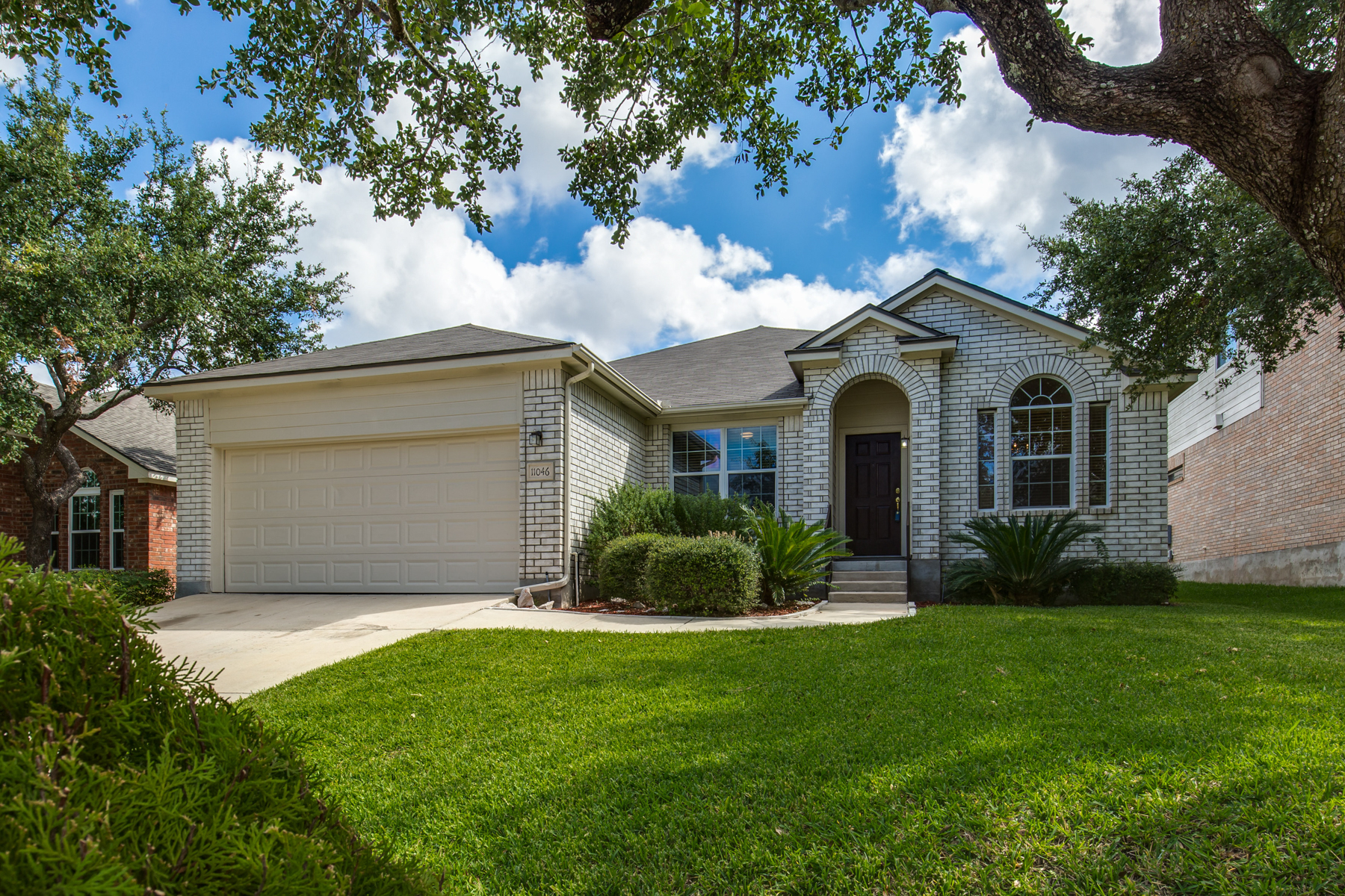 Single Family Home for Sale at Beautiful One-Story Home in Creekview Estates 11046 Wilson Oaks San Antonio, Texas 78249 United States