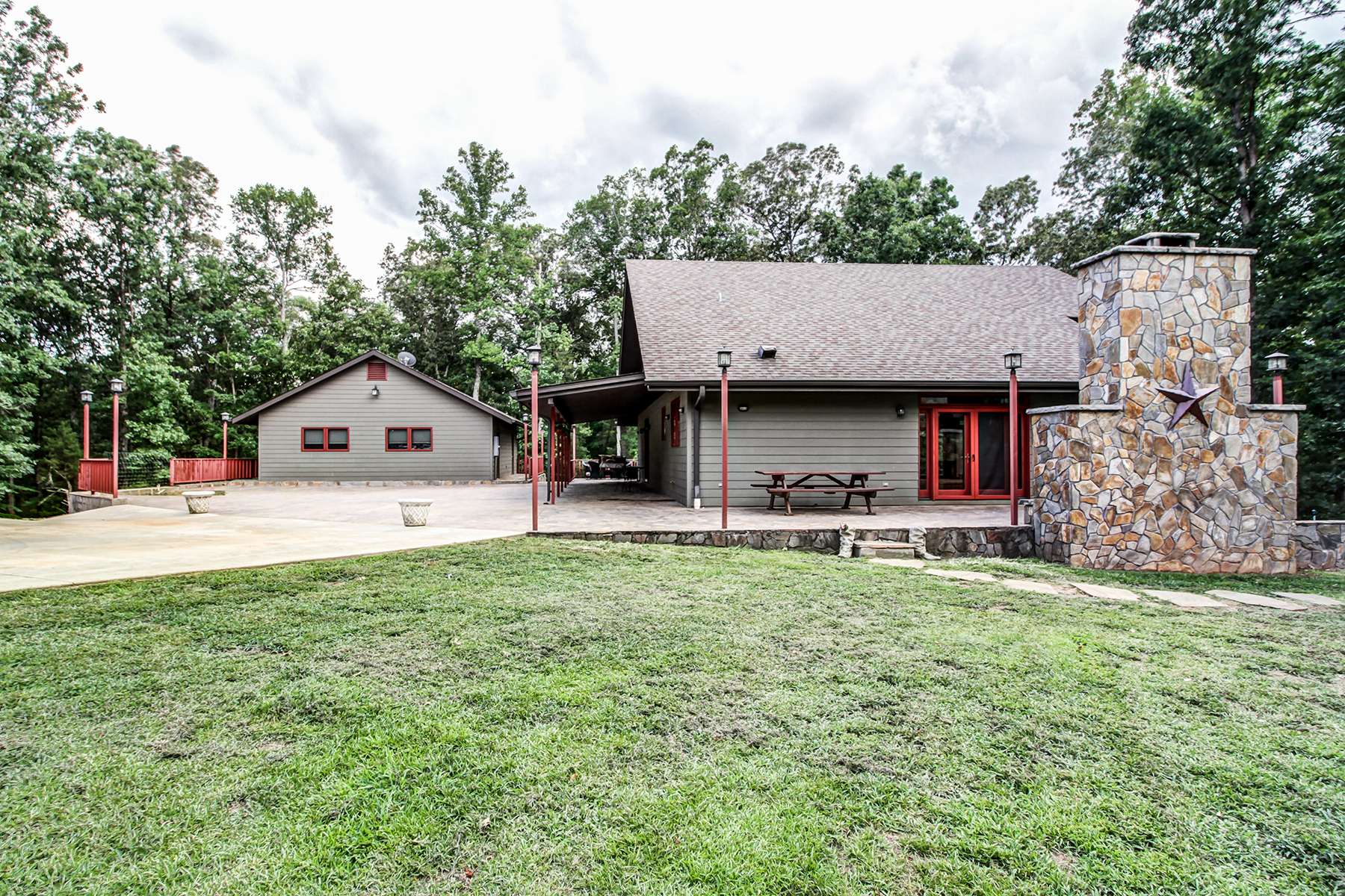 Single Family Home for Sale at 415 Lake Hill Rd , Mooresboro, NC 28114 415 Lake Hill Farm Rd Mooresboro, North Carolina, 28114 United States