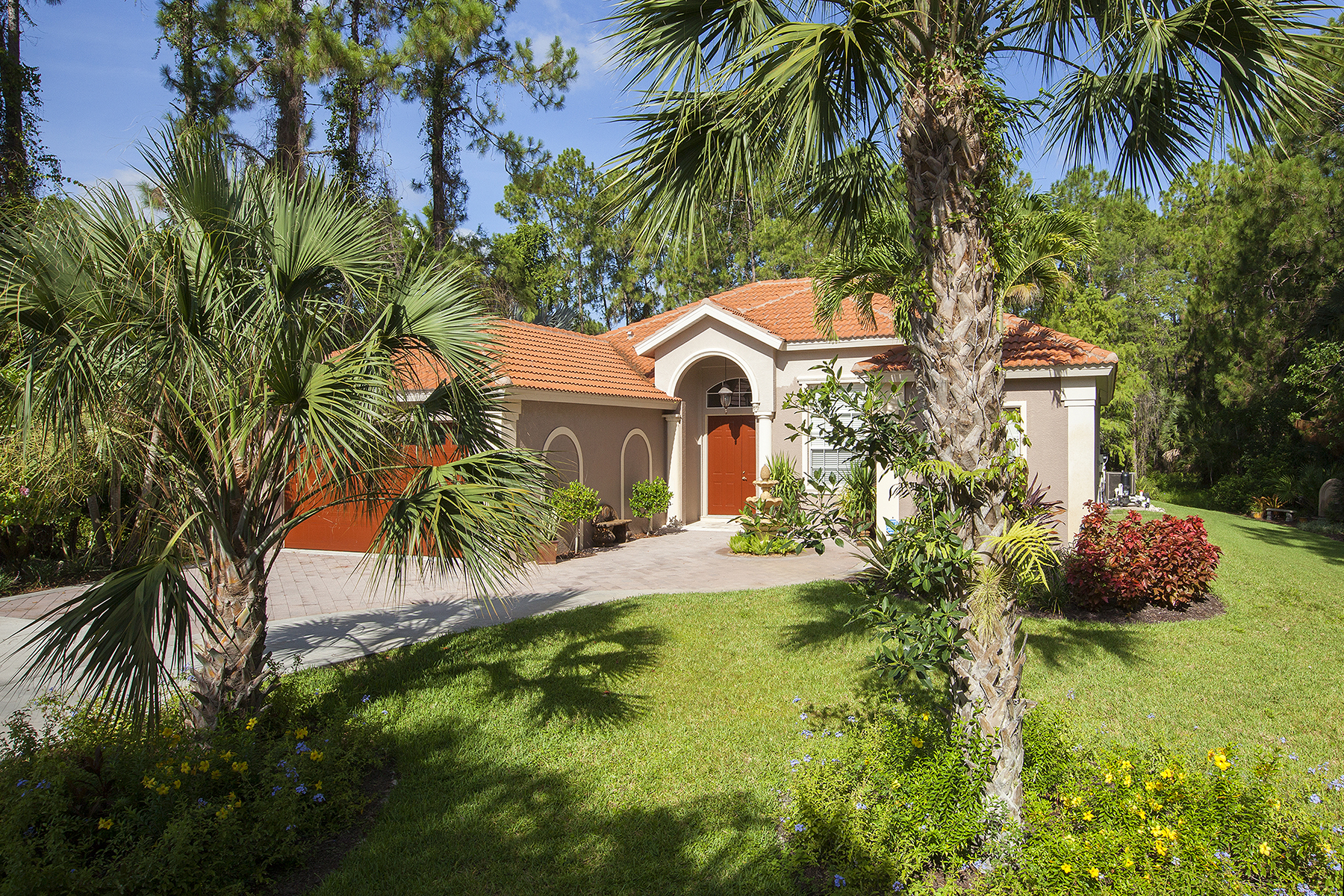 Single Family Home for Sale at GOLDEN GATE ESTATES 13995 Collier Blvd Naples, Florida 34119 United States