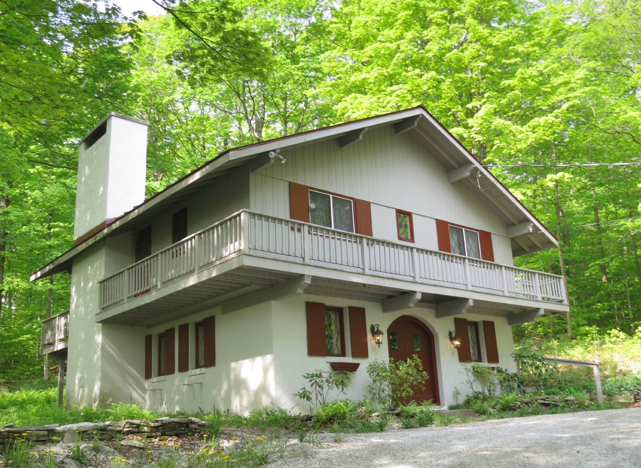 Single Family Home for Sale at Appealing & Adaptable Resort Chalet 5 Roundtree Rd Winhall, Vermont, 05340 United States