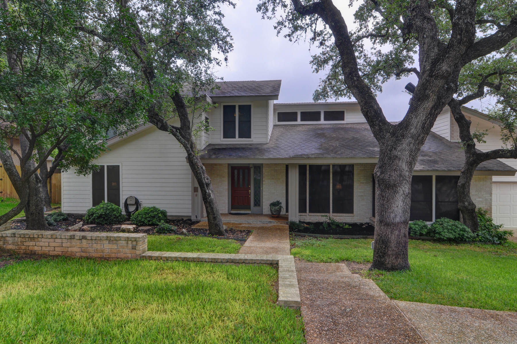 Single Family Home for Sale at Beautifully Maintained Home in Hunters Creek 13026 Hunters Breeze San Antonio, Texas 78230 United States