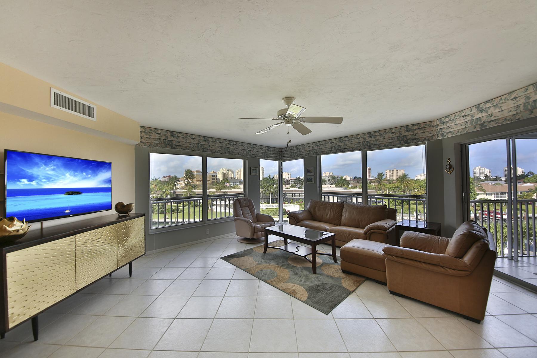 Condominio per Vendita alle ore MARCO ISLAND - BOAT CLUB 870 Collier Ct 403 Marco Island, Florida 34145 Stati Uniti