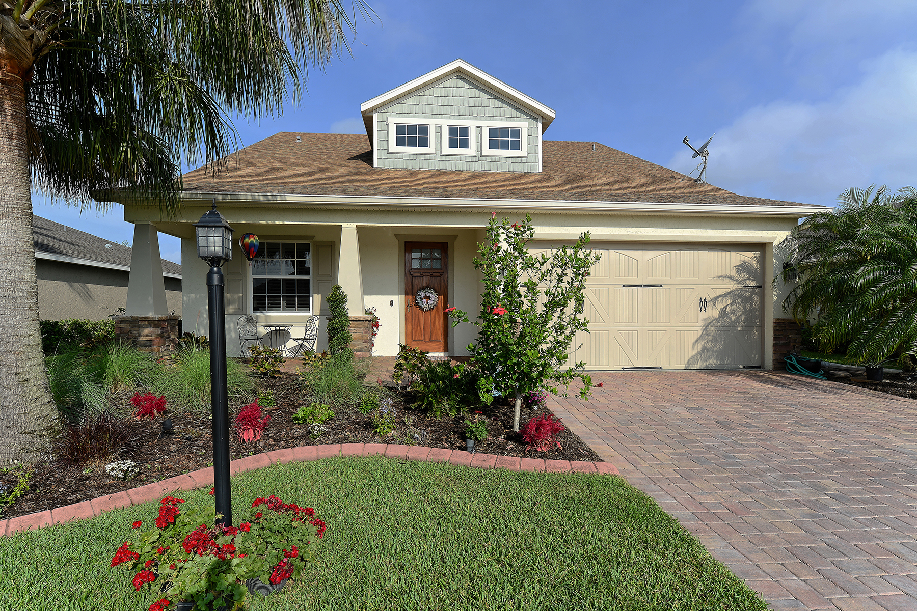 Vivienda unifamiliar por un Venta en COTTAGES AT BLU VISTA 7124 34th St E Sarasota, Florida, 34243 Estados Unidos