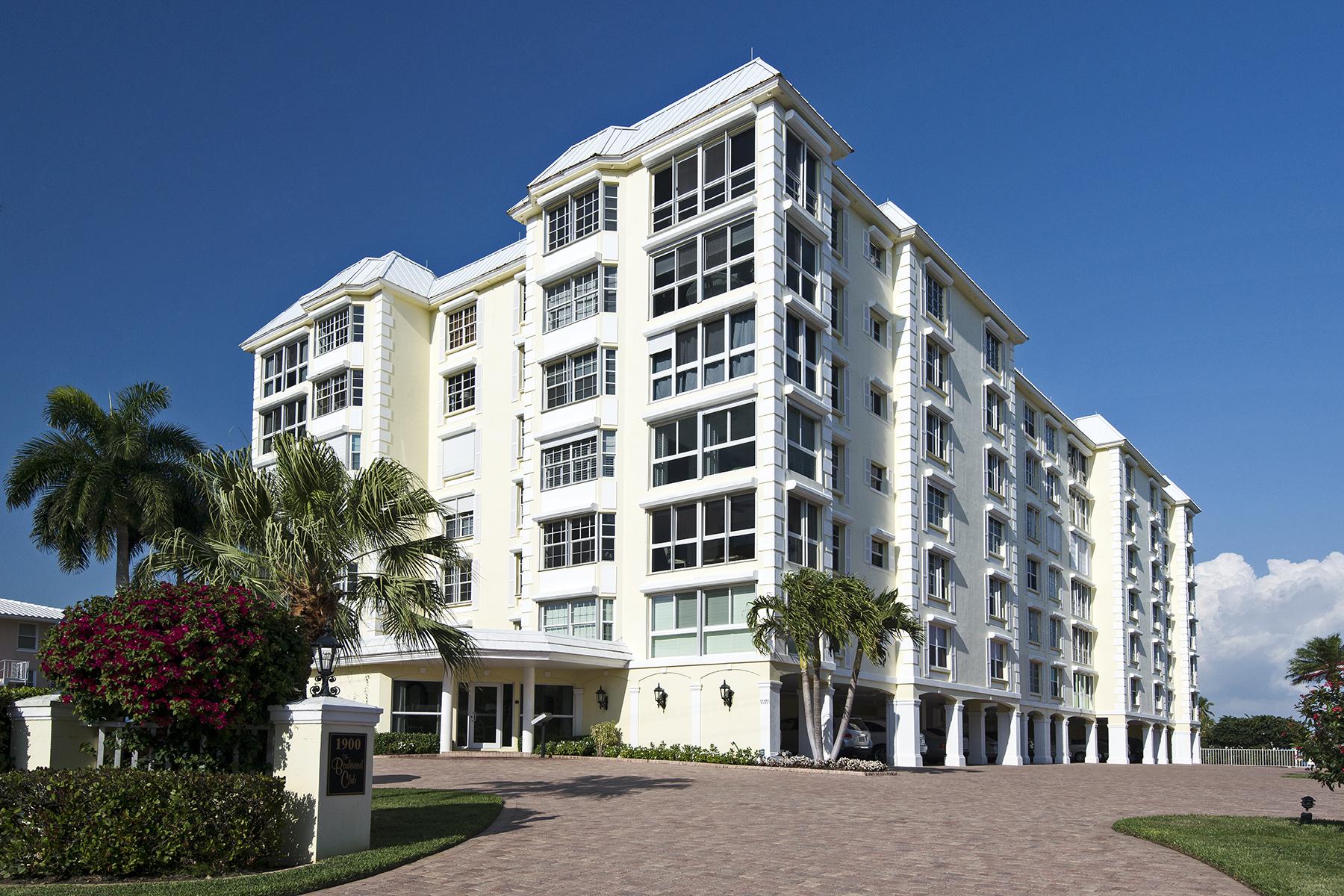 共管式独立产权公寓 为 销售 在 MOORINGS - BOULEVARD CLUB 1900 Gulf Shore Blvd N 603 那不勒斯, 佛罗里达州, 34102 美国