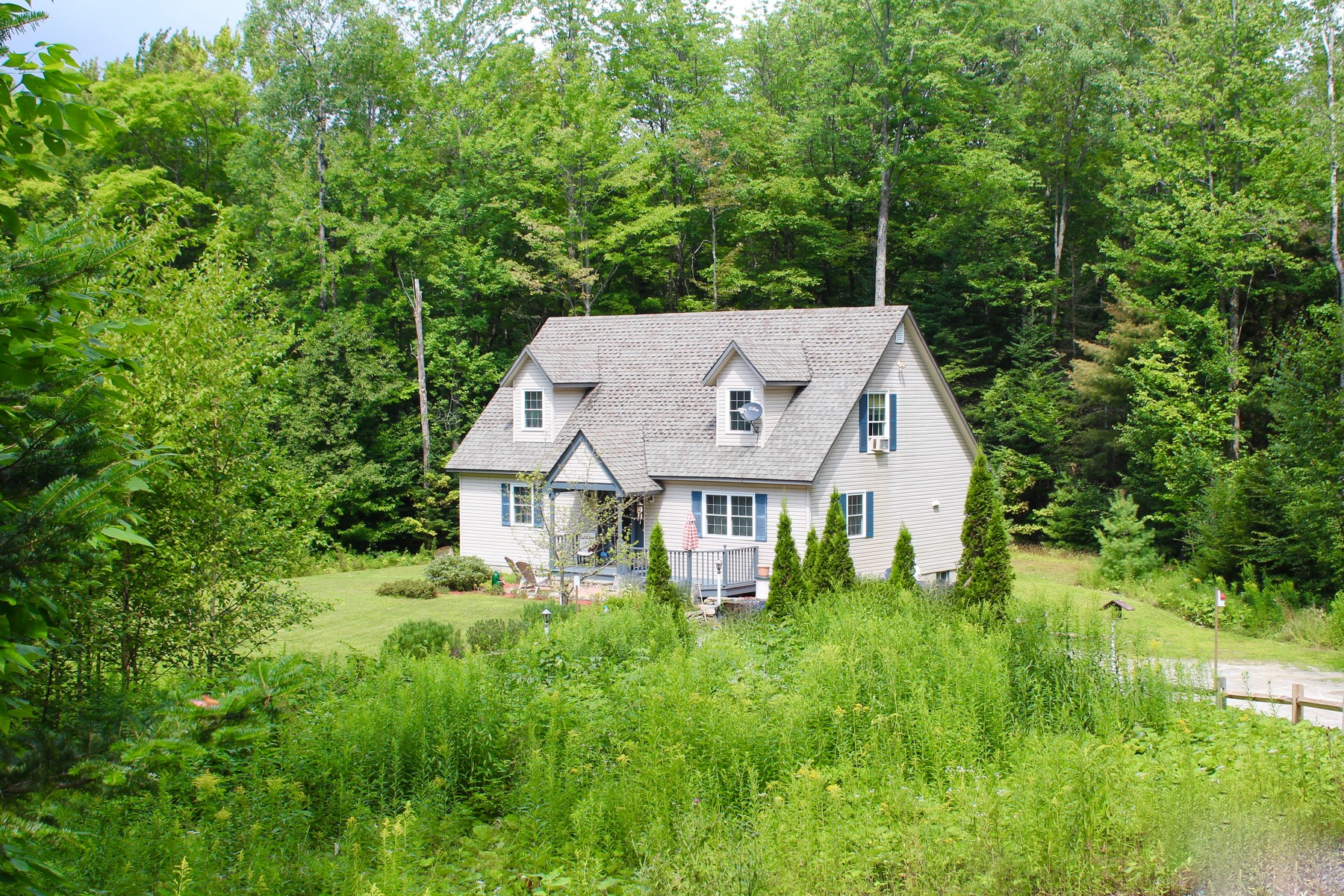 Casa Unifamiliar por un Venta en 245 Teer Road, Mount Holly 245 Teer Rd Mount Holly, Vermont, 05730 Estados Unidos