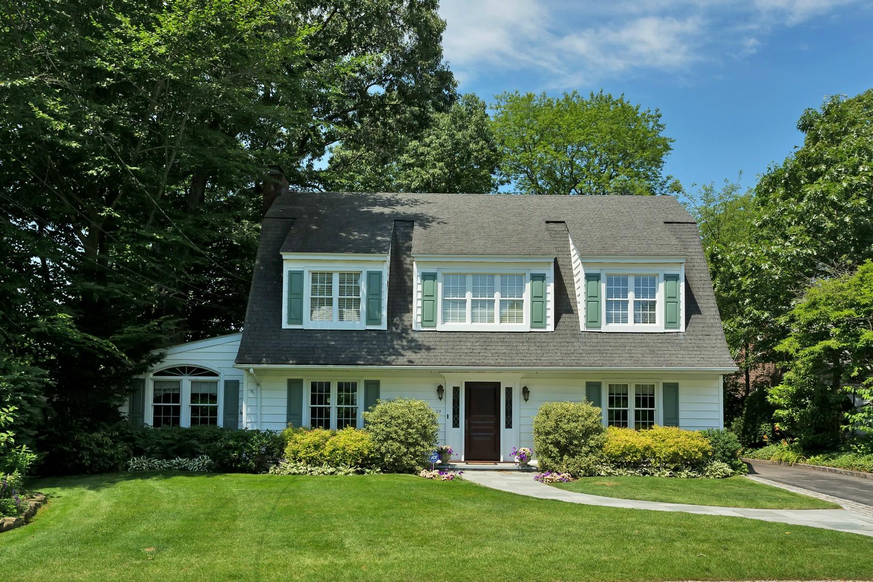 獨棟家庭住宅 為 出售 在 Colonial 29 Eakins Rd Manhasset, 紐約州, 11030 美國