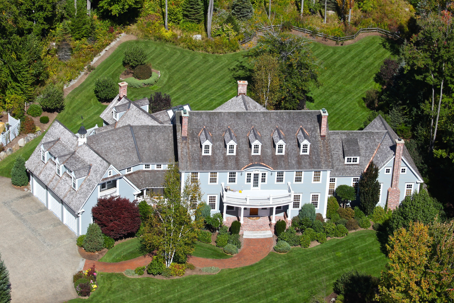 Single Family Home for Sale at Gracious 14 Room Estate 373 Lakeshore Dr New London, New Hampshire 03257 United States