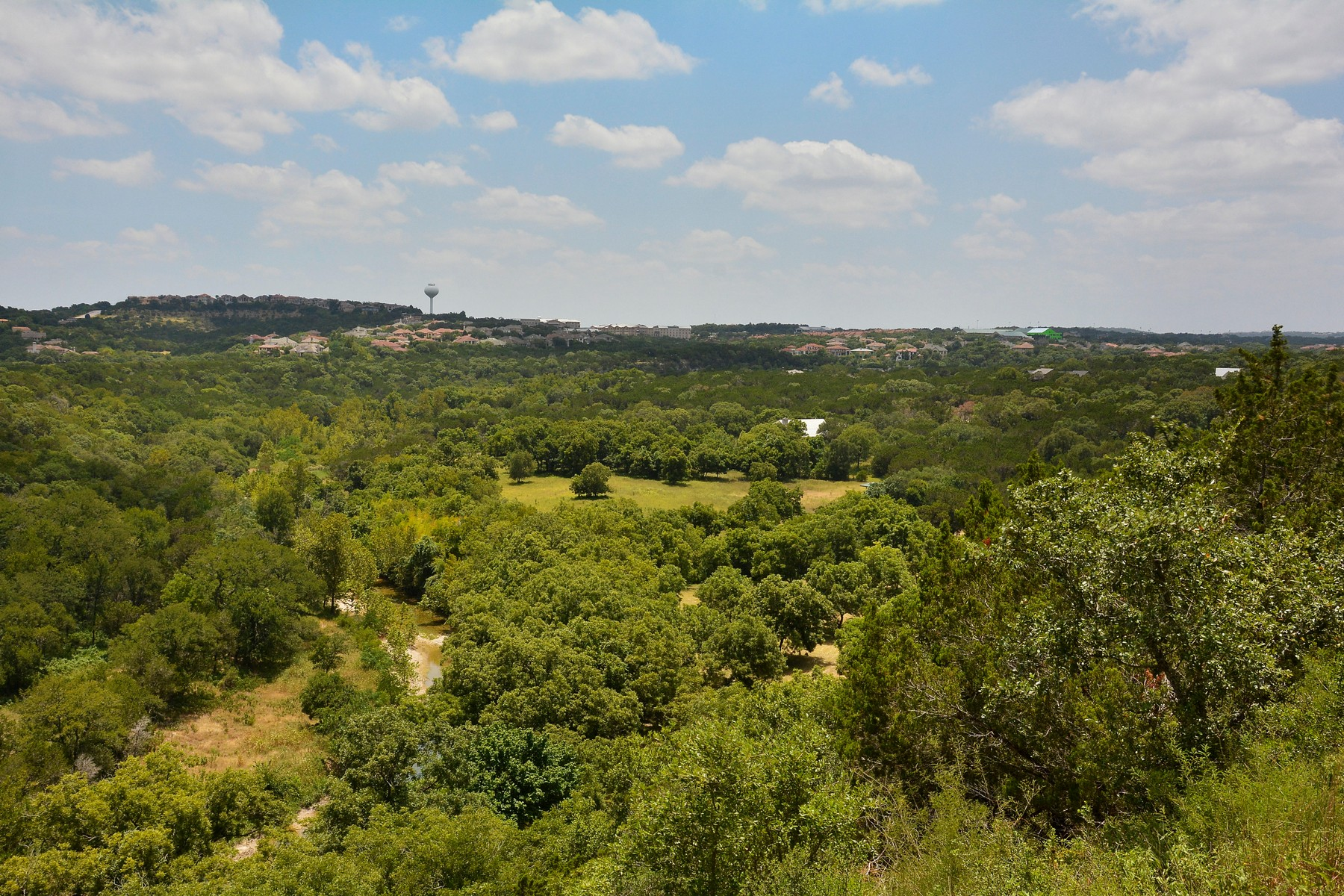 Additional photo for property listing at Extremely Rare and Beautiful Equestrian Ranch 905 Crystal Mountain Dr Austin, Texas 78735 United States